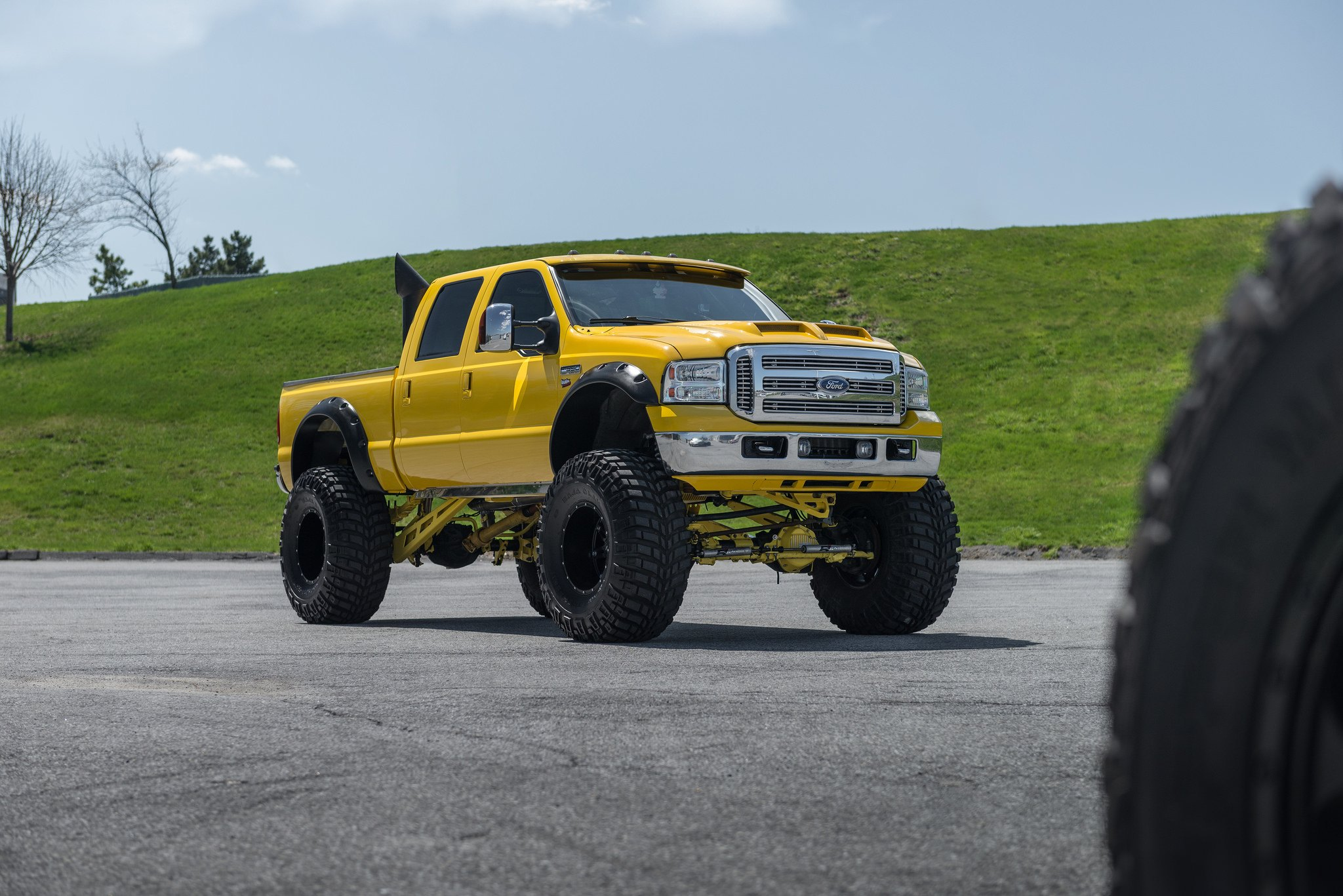 Insane Monster Truck Yellow Ford F 250 Super Duty On Huge Wheels Lifted Trucks Custom Photo By Fuel Offroad
