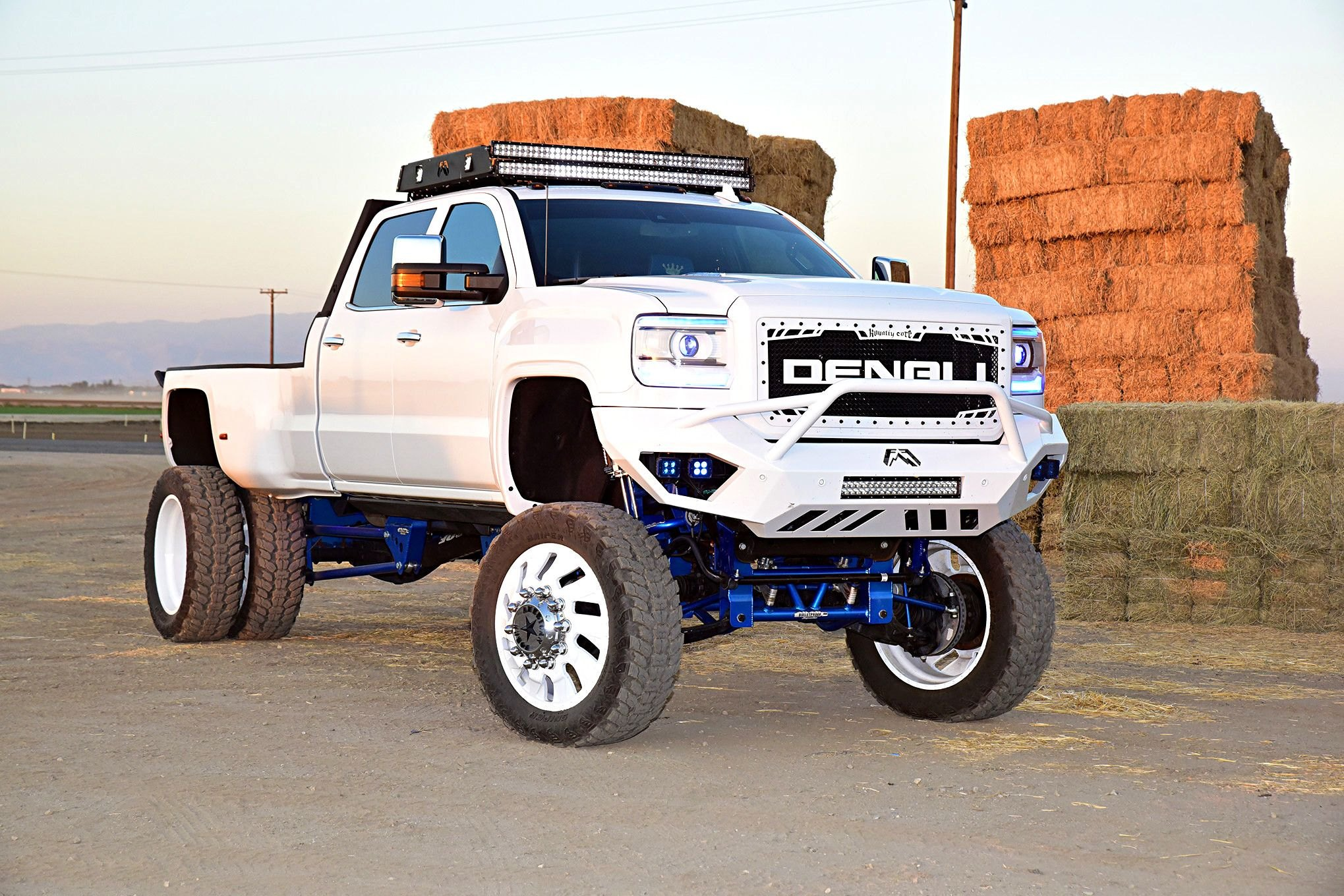 Body Lift And Off Road Parts Reveal The Best Spirit Of White Gmc Sierra Denali Carid Com Gallery