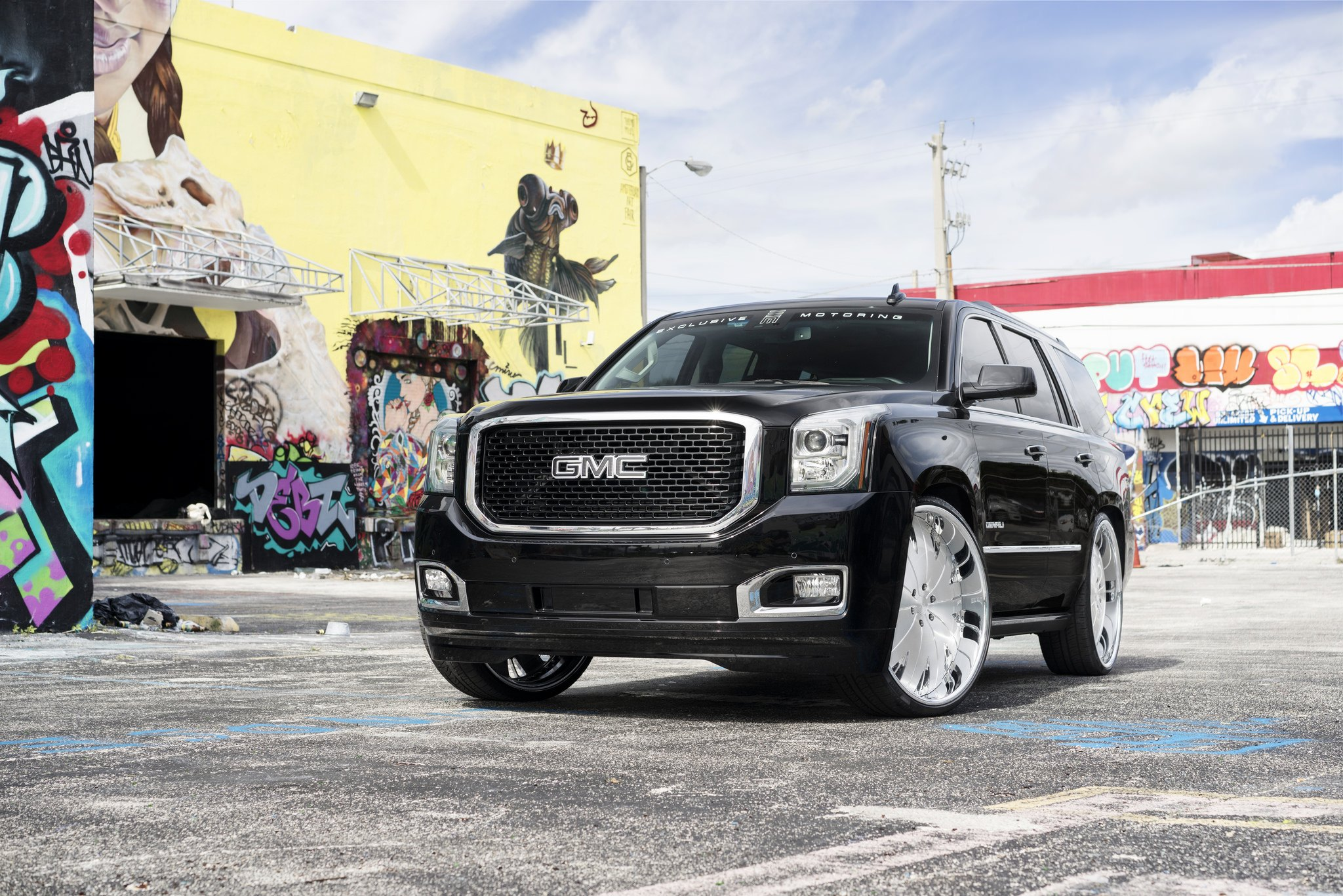 Black Gmc Yukon On Contrasting Rims Carid Com Gallery