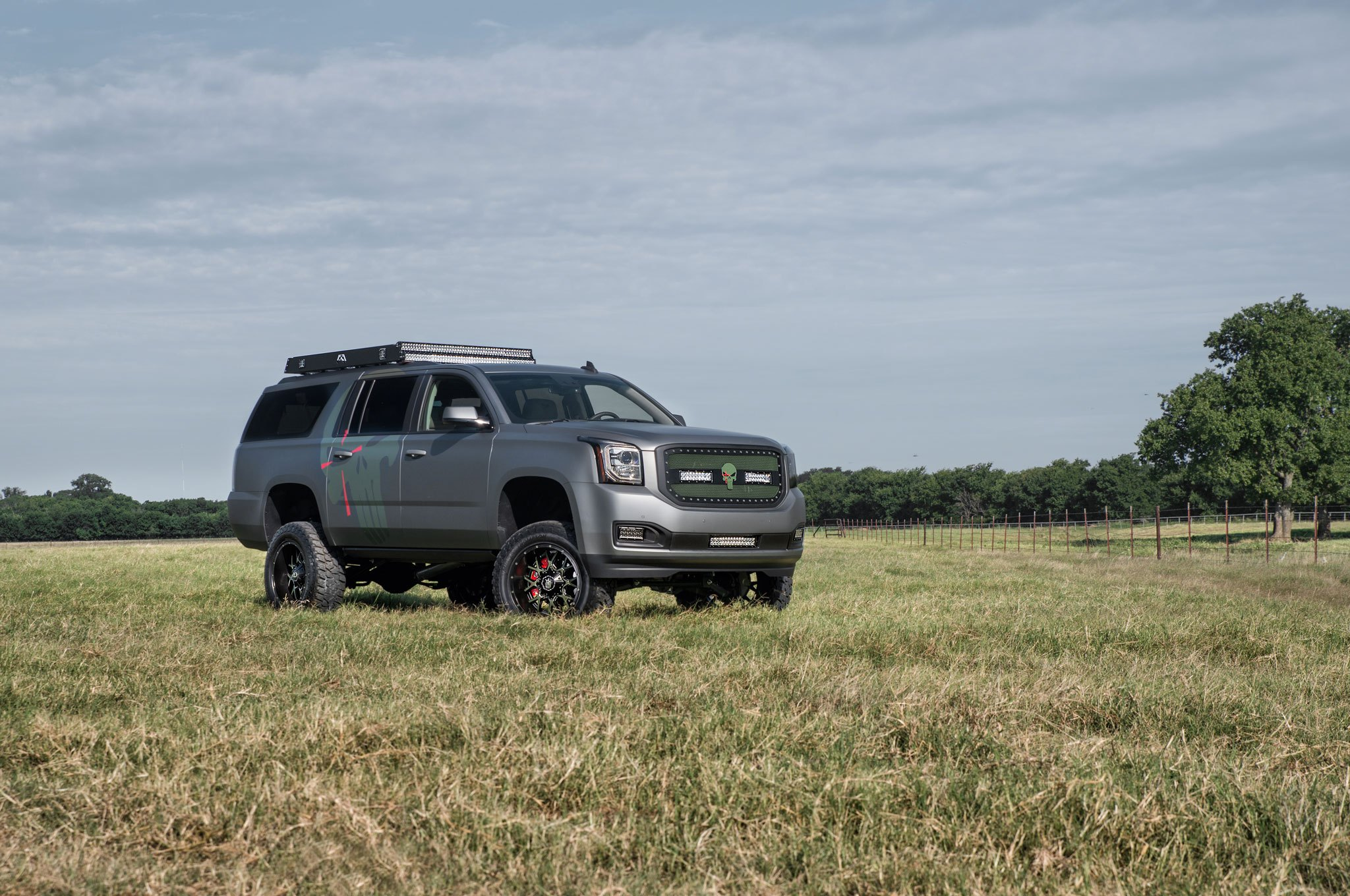 Gmc Yukon XL On 35 Inch Tires   Photo By Complete Customs