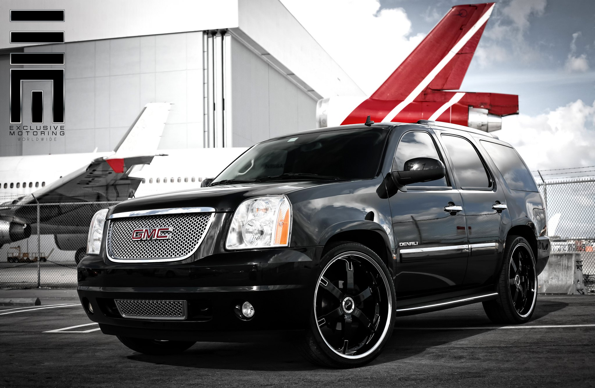 Gmc Yukon Denali On Black Custom Wheels By Exclusive Motoring Carid Com Gallery