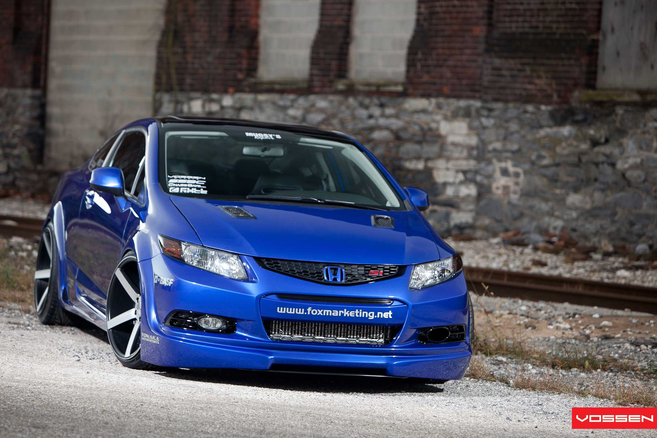 Lovely Blue Honda Civic Si With Custom Body Kit   Photo By Vossen