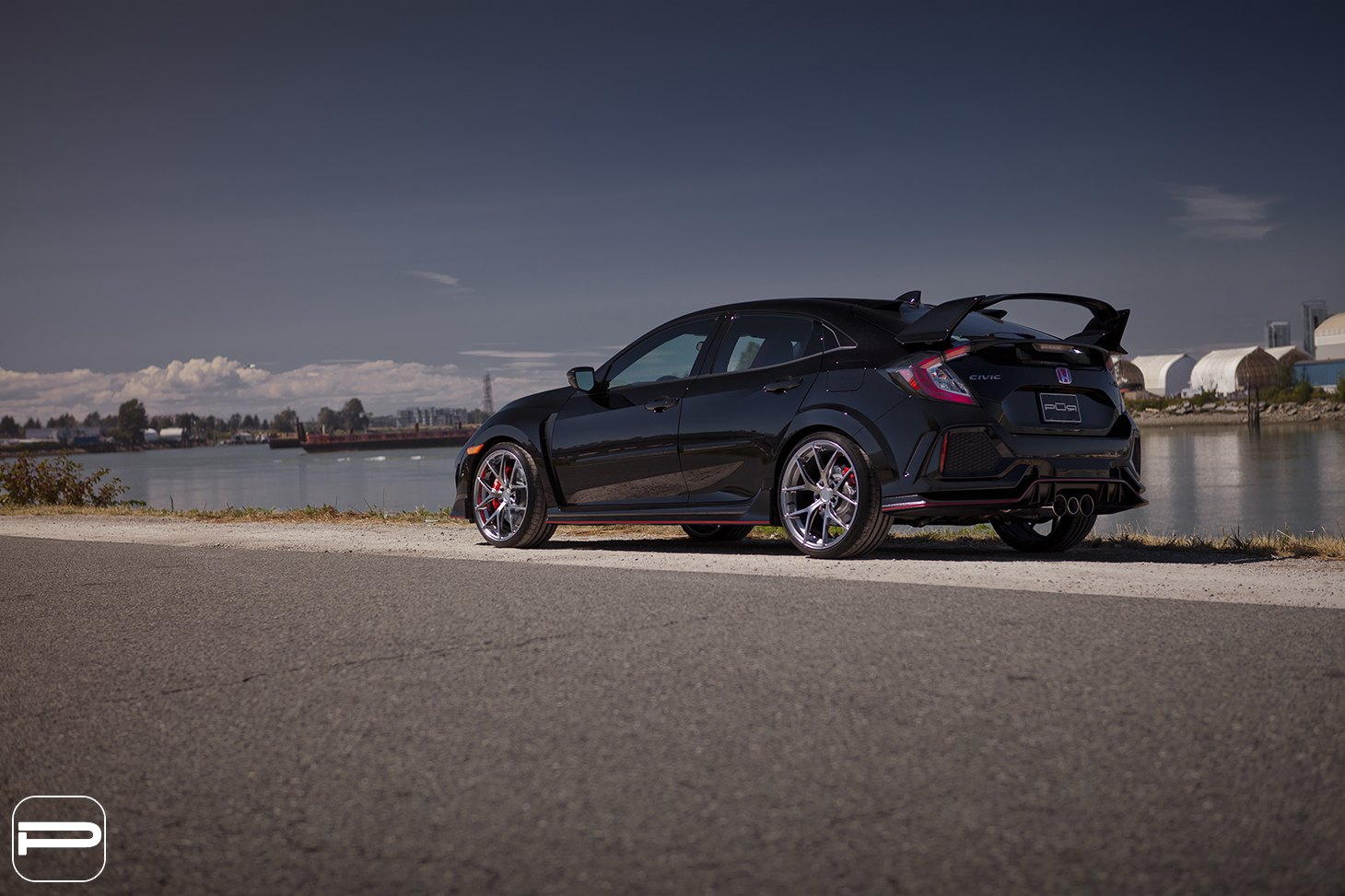 Aftermarket Rear Diffuser on Black Honda Civic - Photo by PUR Wheels