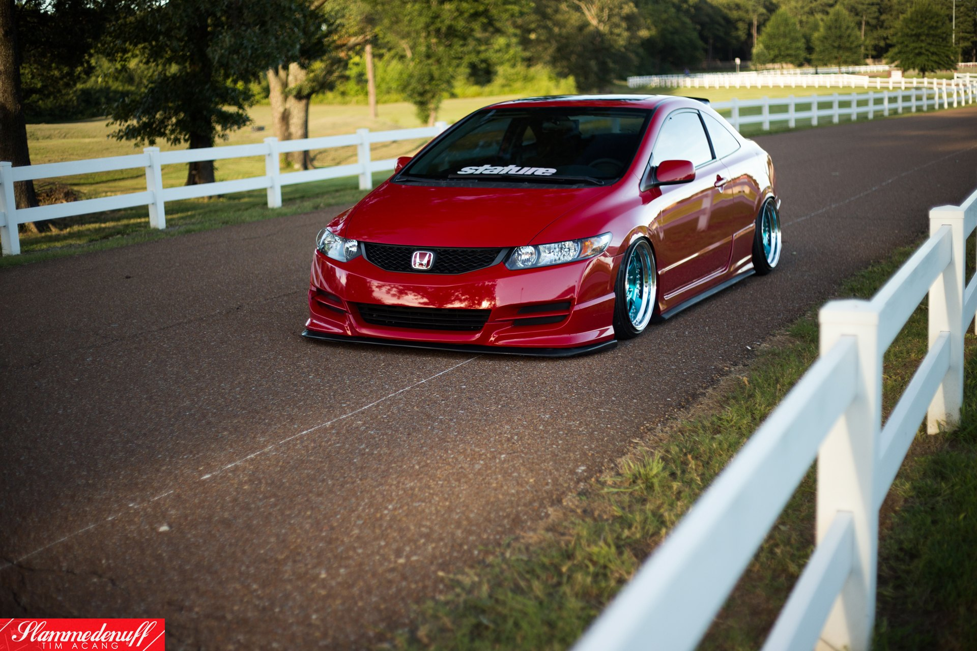 jdm red honda civic with nice stance and blue rims carid. Black Bedroom Furniture Sets. Home Design Ideas