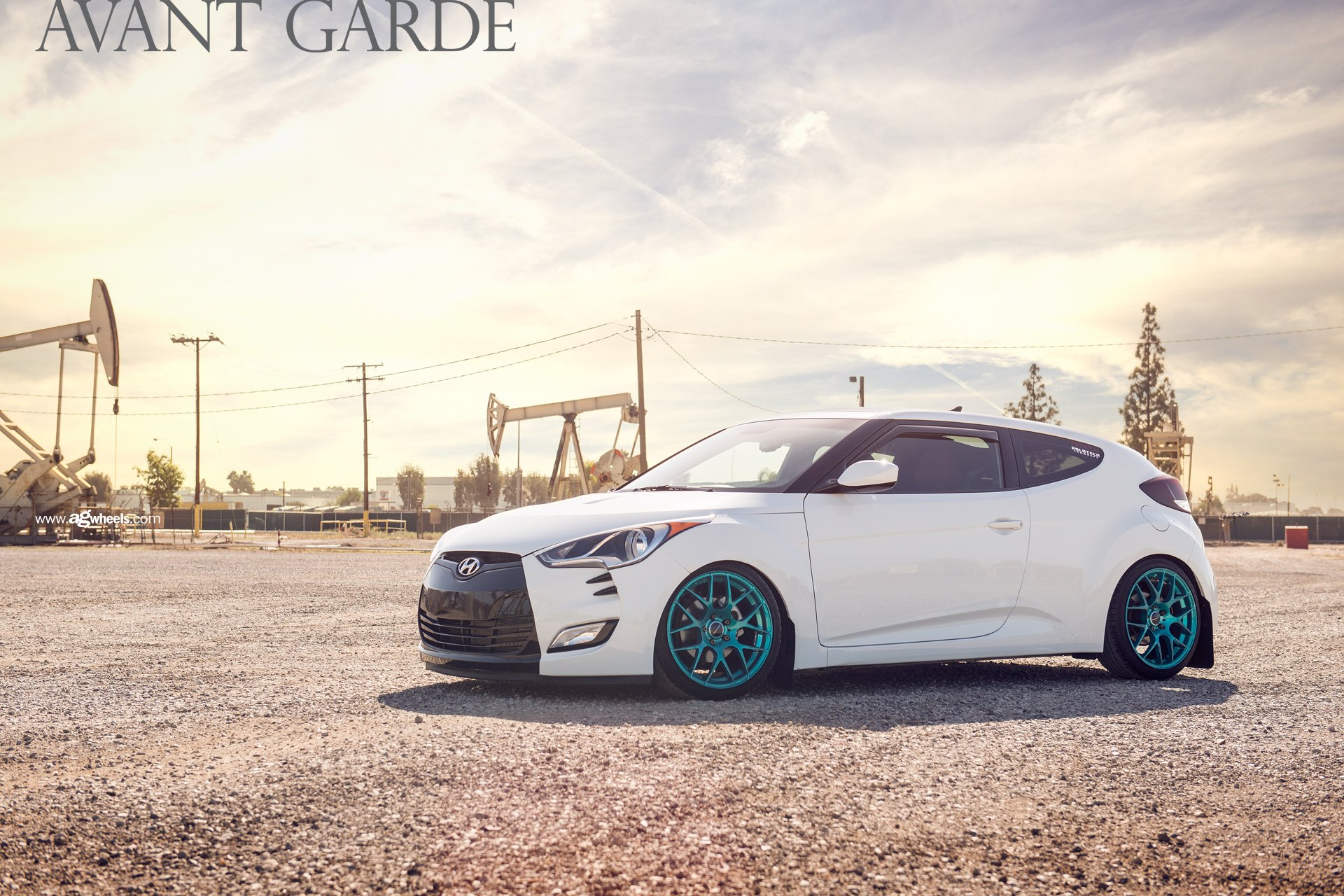 Eye catching colors combo white hyundai veloster with - Hyundai veloster interior accessories ...