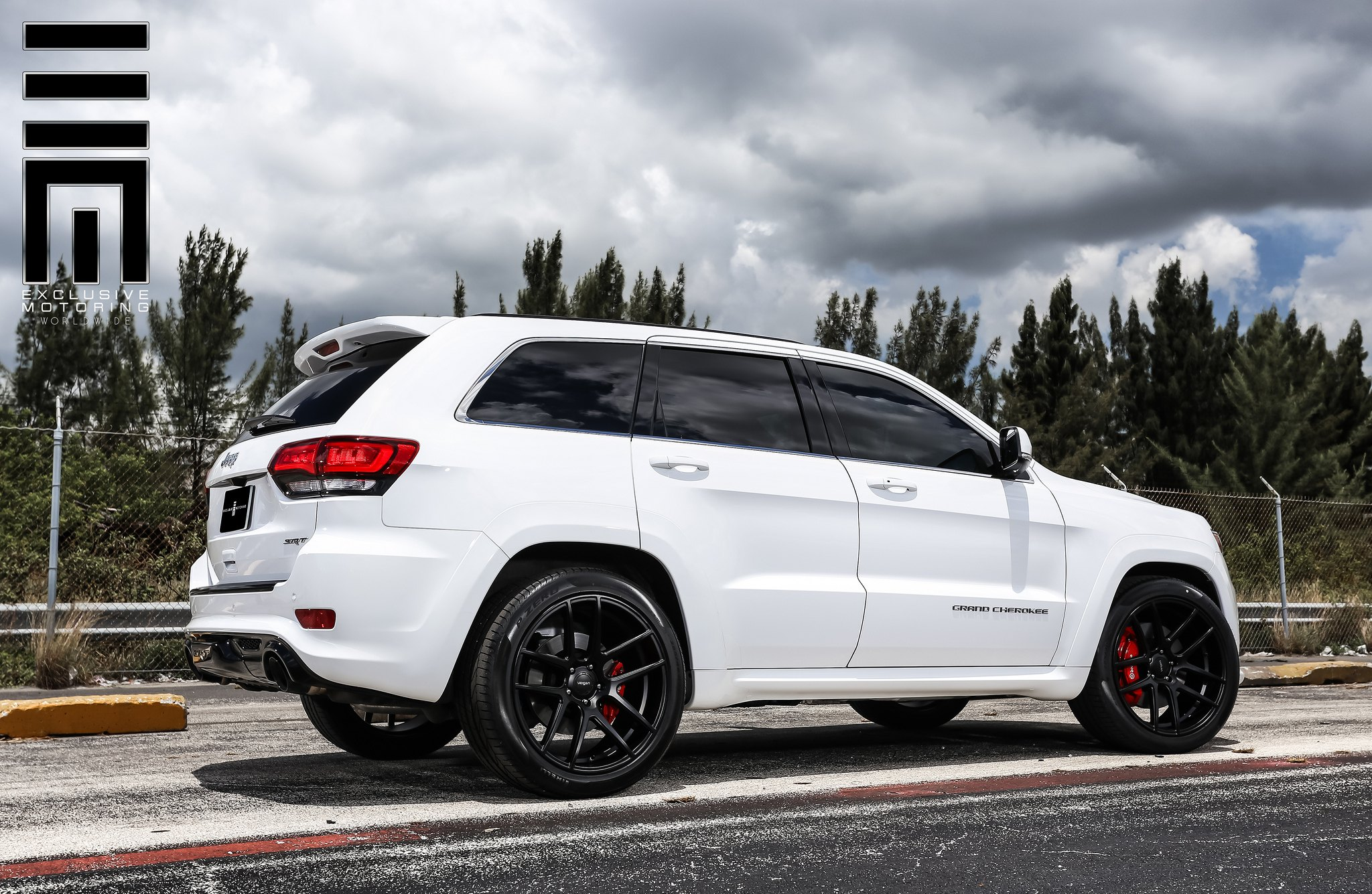 Great Jeep Grand Cherokee SRT With Black Rims And Red Brakes   Photo By Exclusive  Motoring