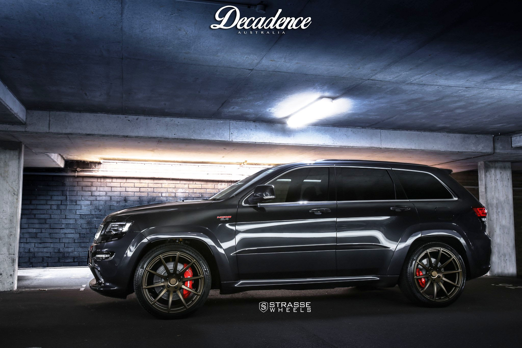 Jeep Grand Cherokee Aftermarket Parts >> Black Jeep Grand Cherokee Stylish Monster Dressed In