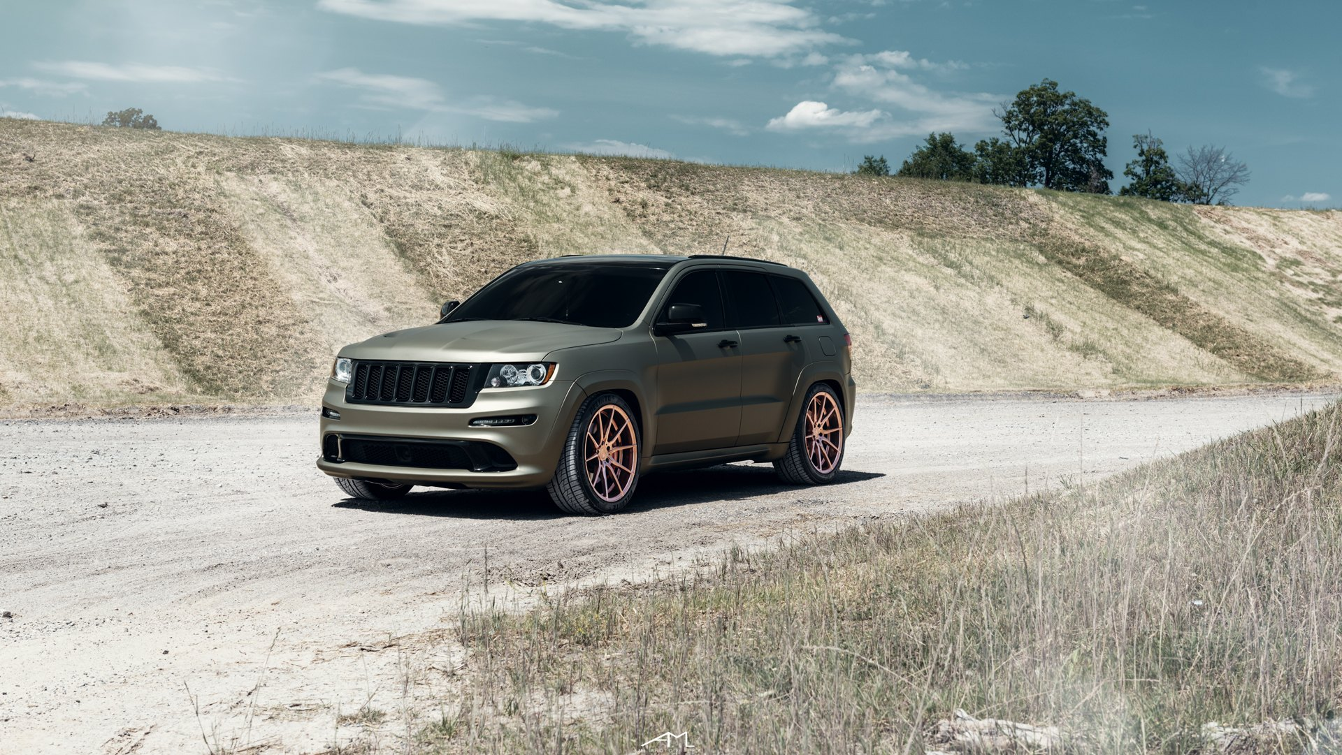 Custom Jeep Grand Cherokee >> Magnetic Olive Matte Jeep Grand Cherokee Customized And Put On Matte