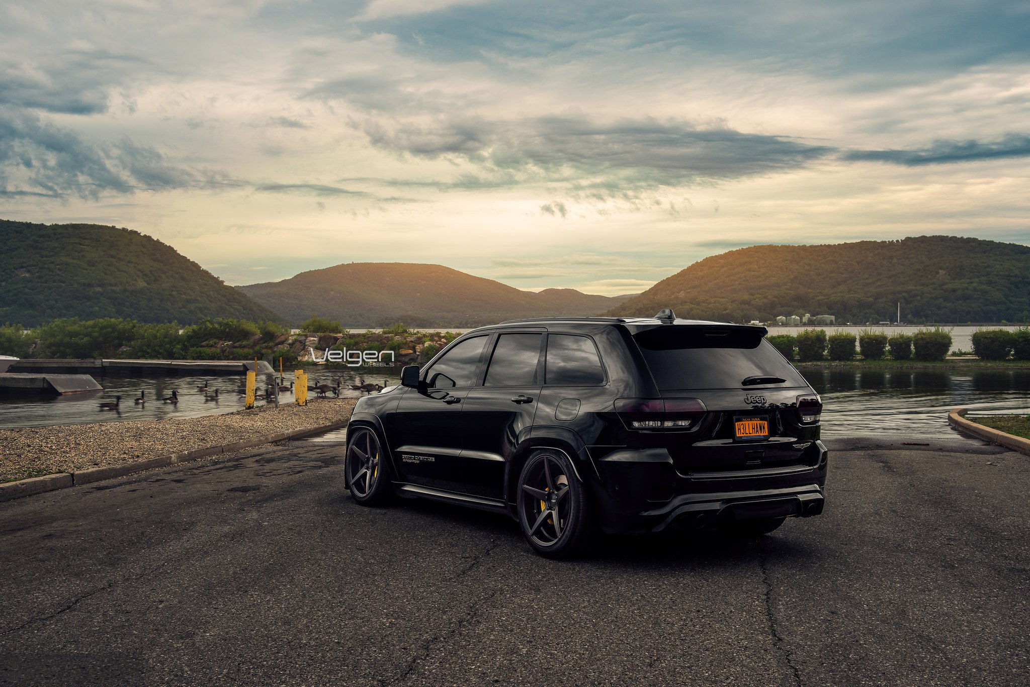 Blacked Out Jeep Grand Cherokee Gets Sharp Look With ...