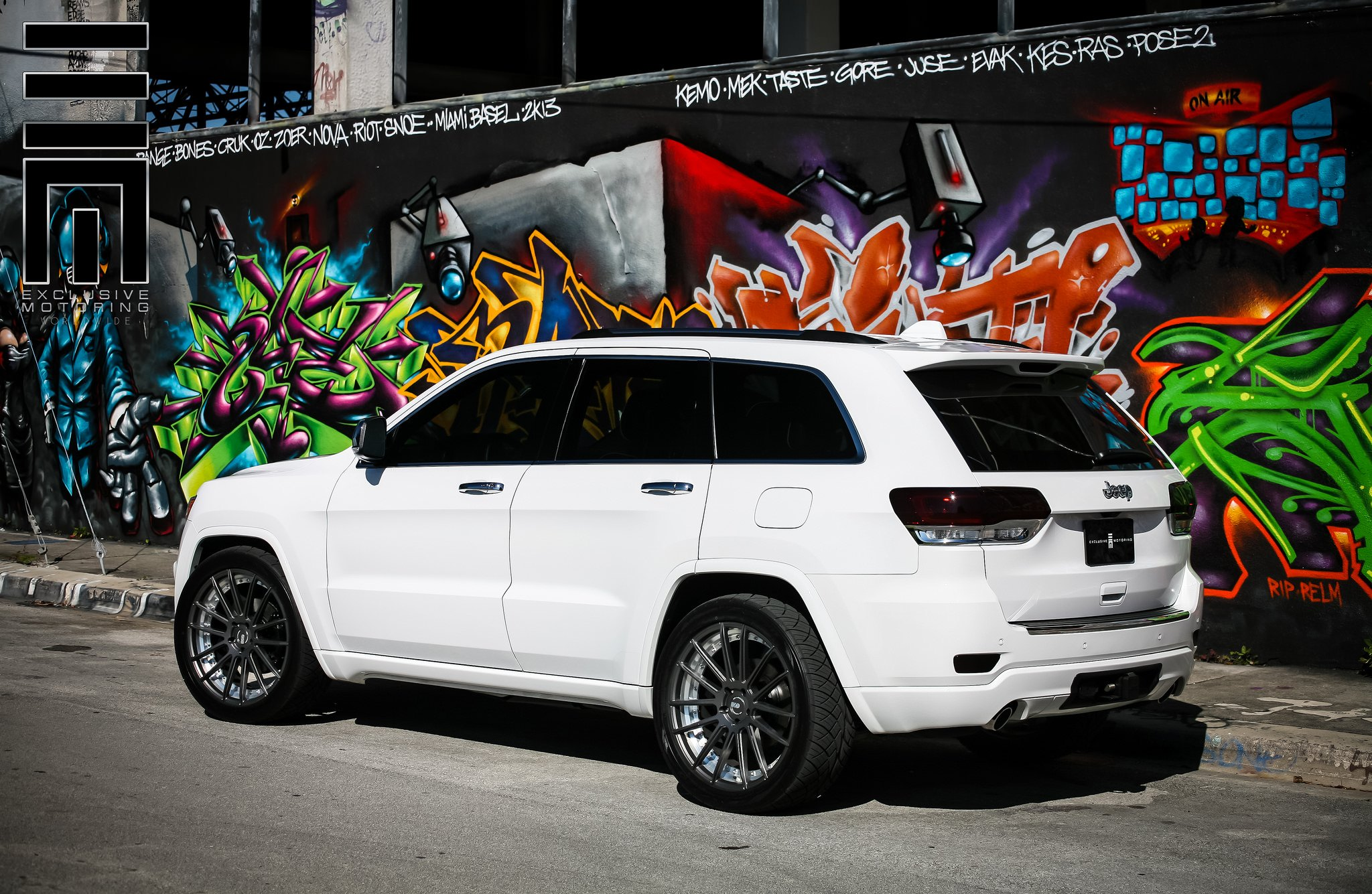Graphite Gray Custom Rims On Grand Cherokee Srt8 By Exclusive