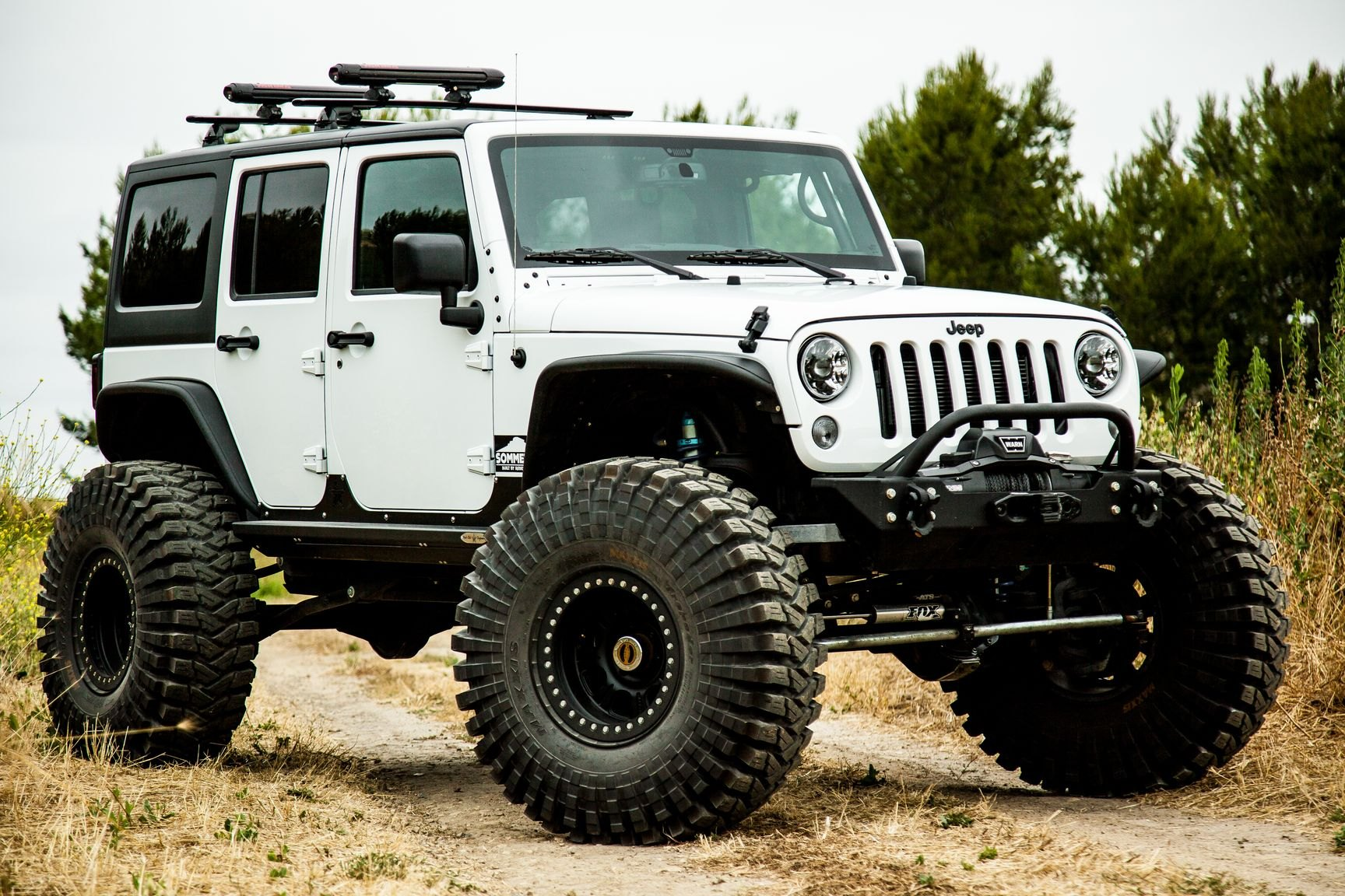 White Jeep Lifted >> Jeeps Don T Get Better Prepared For Off Roading Than This White