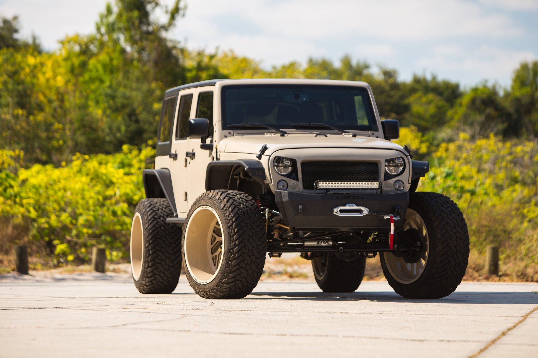 Jeep Jk Mods >> Mean Looking Jeep Wrangler Unlimited With Off Road Mods And