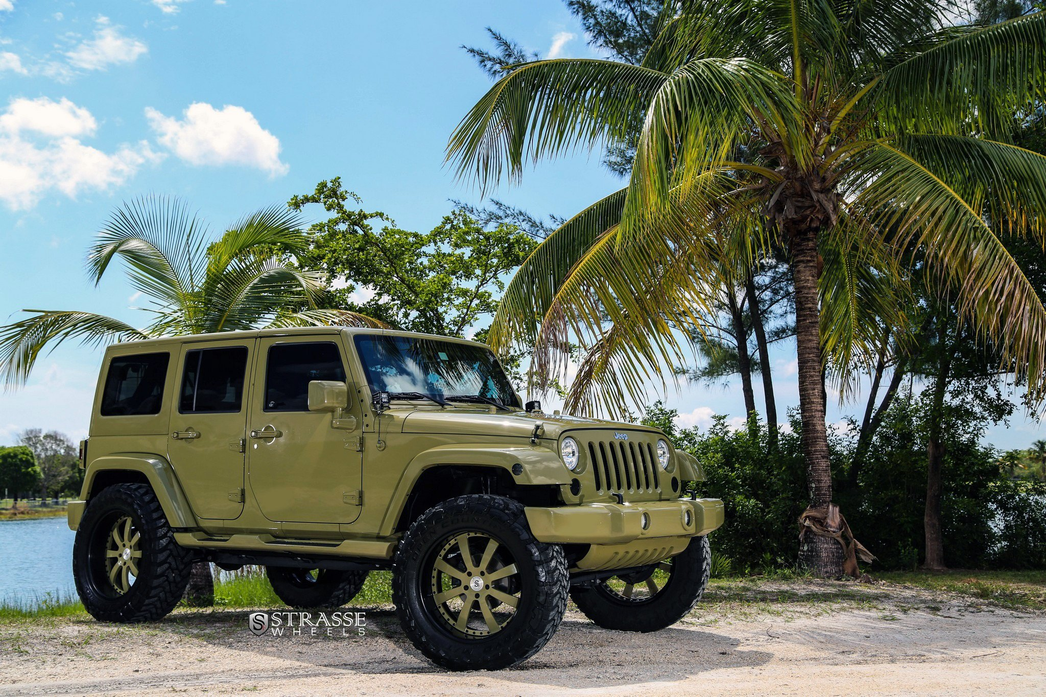 Khaki Jeep Wrangler with Aftermarket Front Bumper - Photo by Strasse Forged