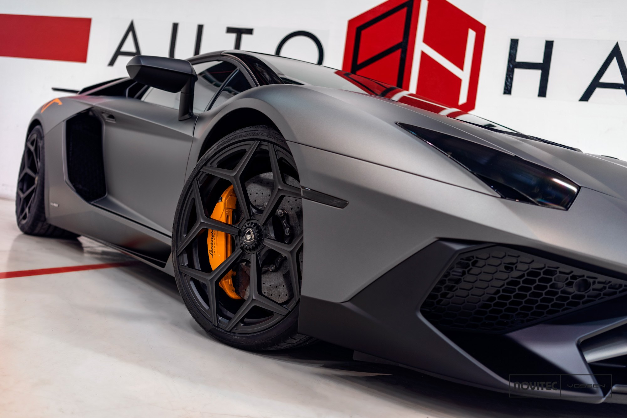 batman approves sinister gray lamborghini aventador with. Black Bedroom Furniture Sets. Home Design Ideas