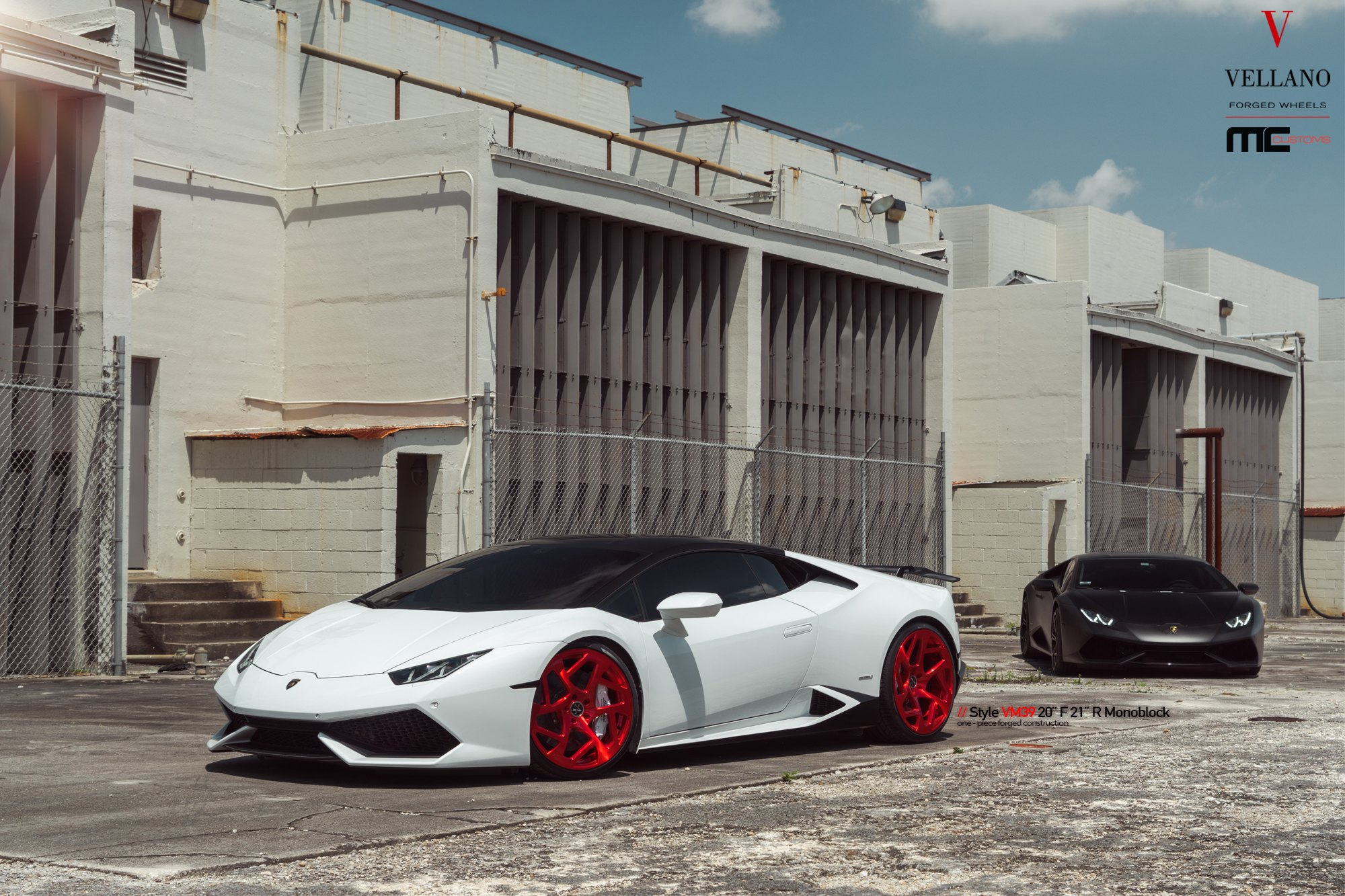 Candy Red Custom Rims Make White Lambo Huracan Stand Out Carid Com