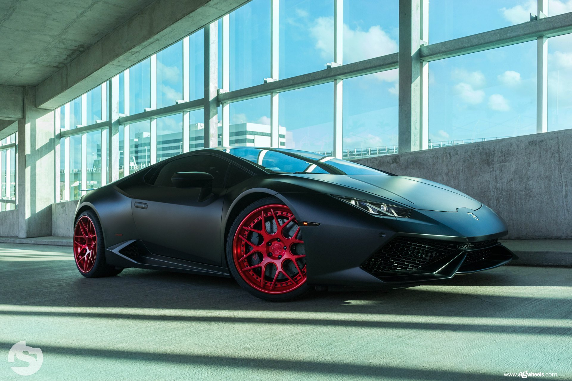 black lamborghini huracan with red custom rims by avant garde gallery. Black Bedroom Furniture Sets. Home Design Ideas