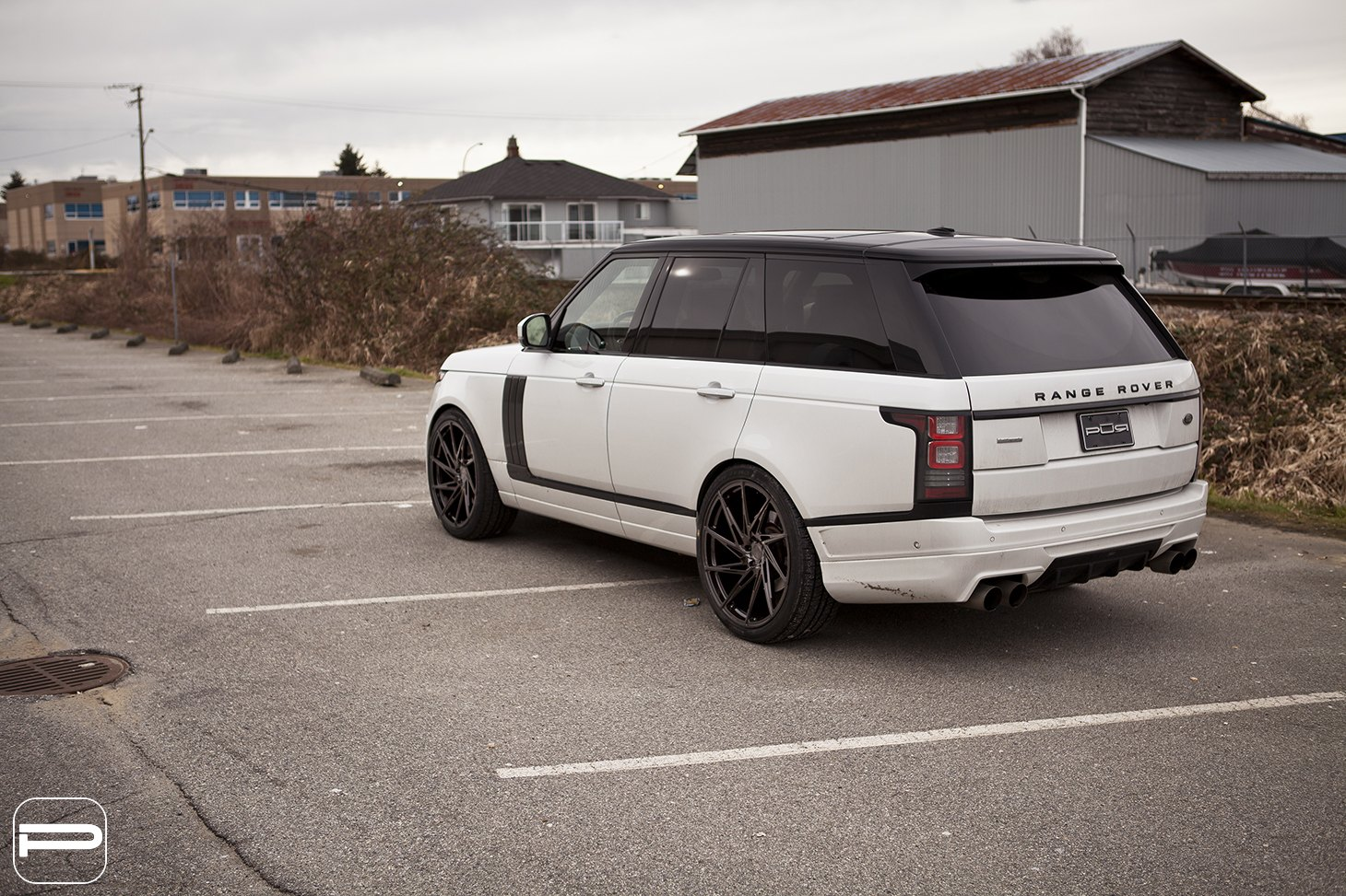 exclusive white range rover boasting nice custom parts gallery. Black Bedroom Furniture Sets. Home Design Ideas