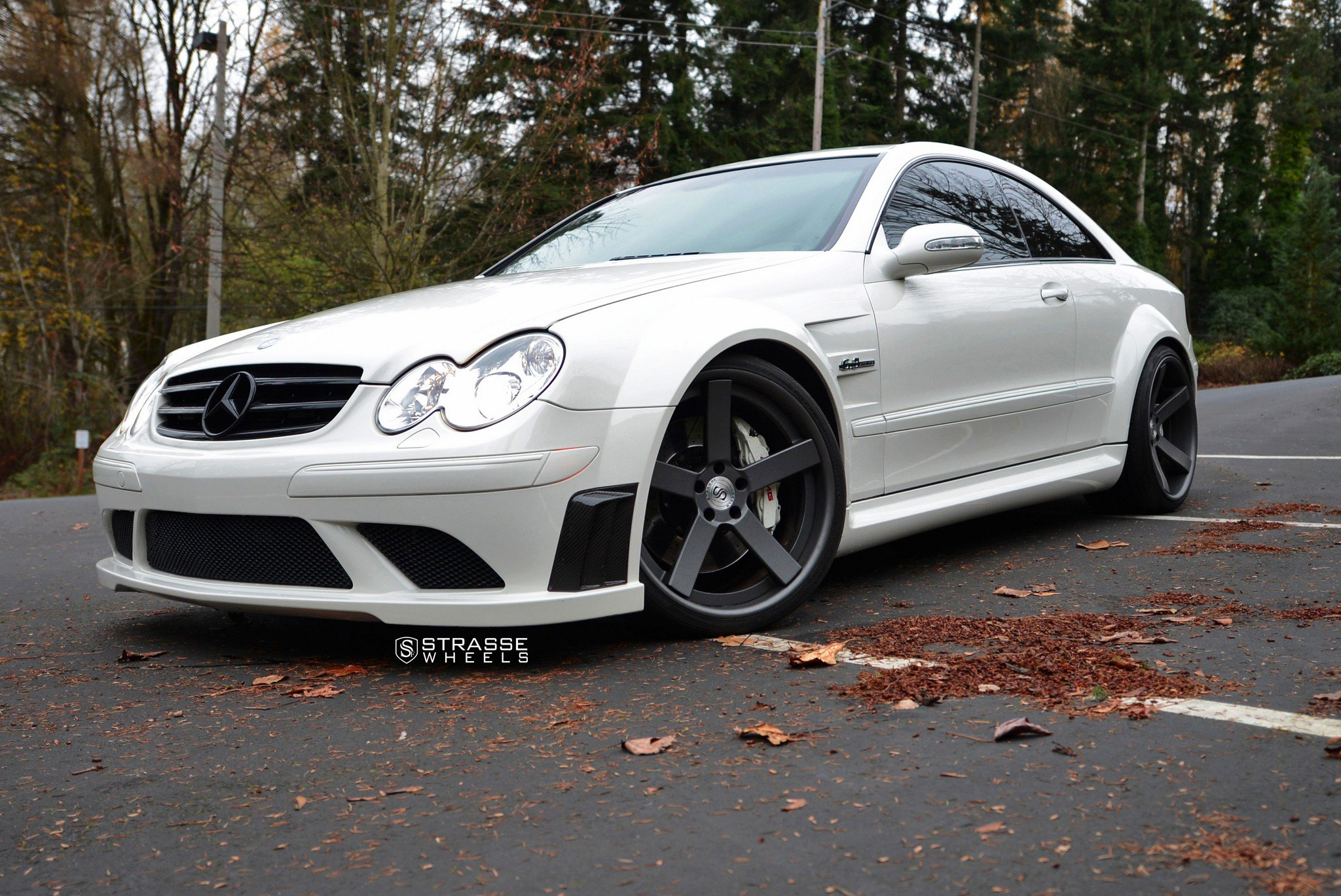 bespoke white mercedes clk class sitting tight on matte black strasse wheels gallery. Black Bedroom Furniture Sets. Home Design Ideas