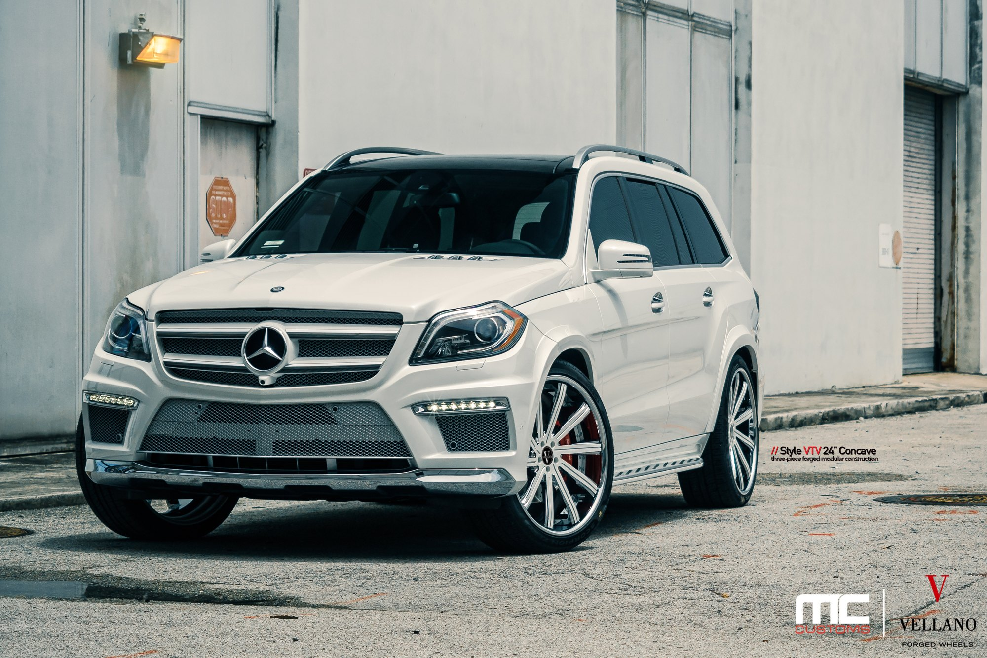 Front Per With Led Lights On White Mercedes Gl Cl Photo By Vellano