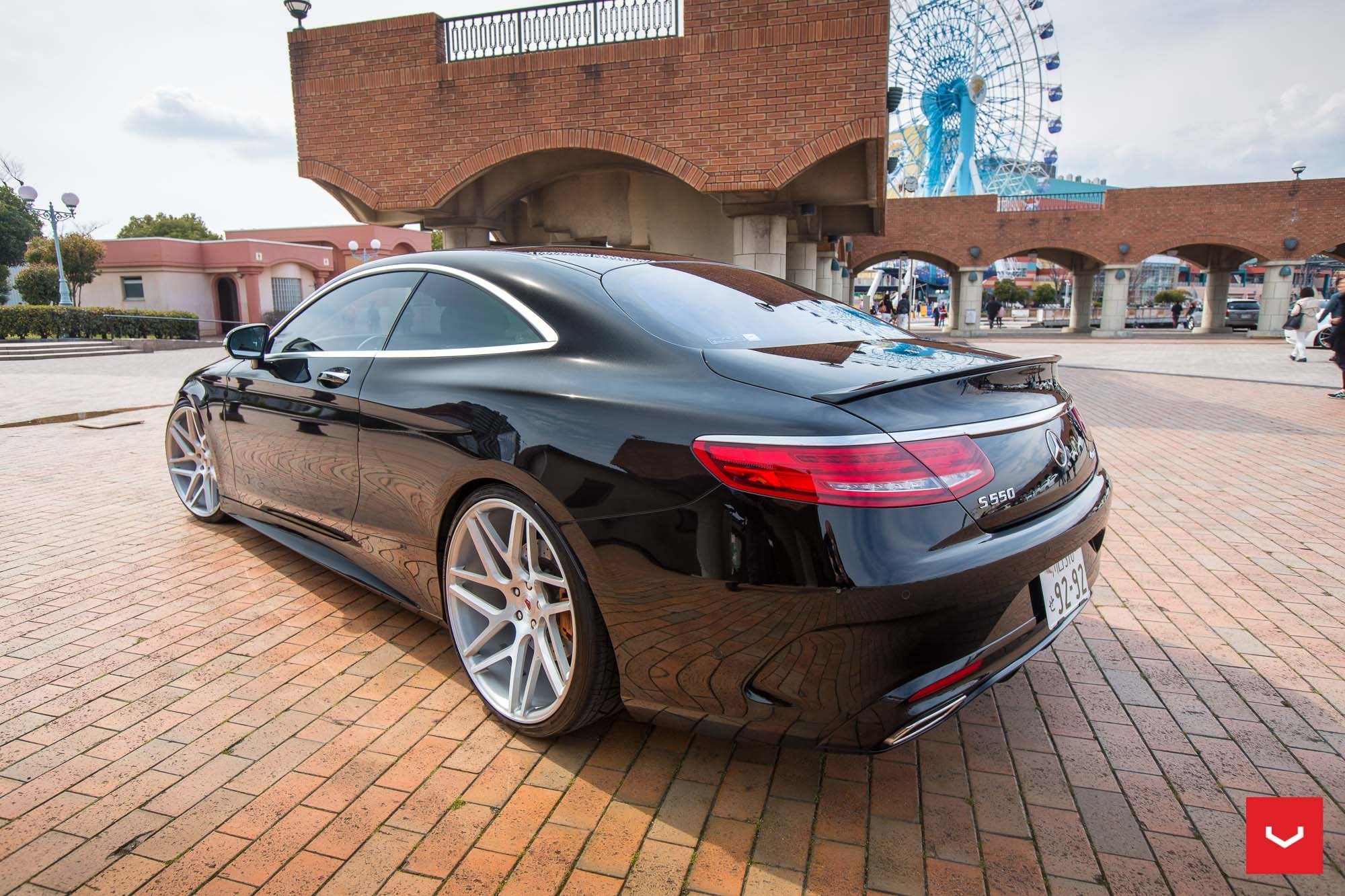 This is What Elegance Looks Like: Black Mercedes S550 ...