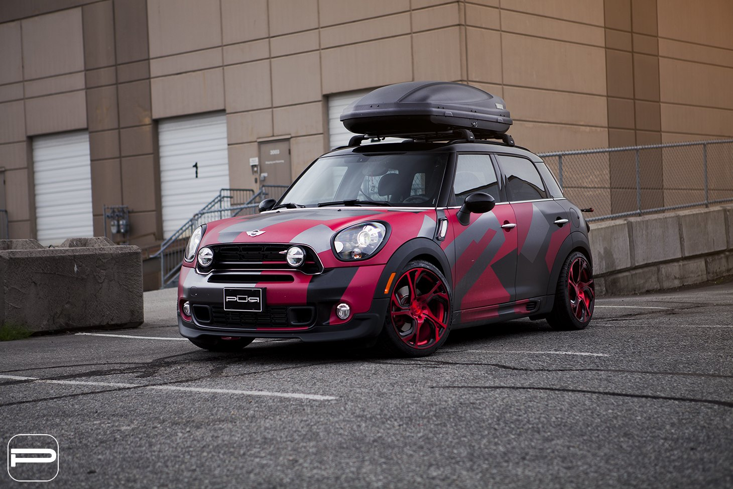 Truly Unique Custom Paint On Mini Countryman With Roof Rack That Grabs Attention Gallery