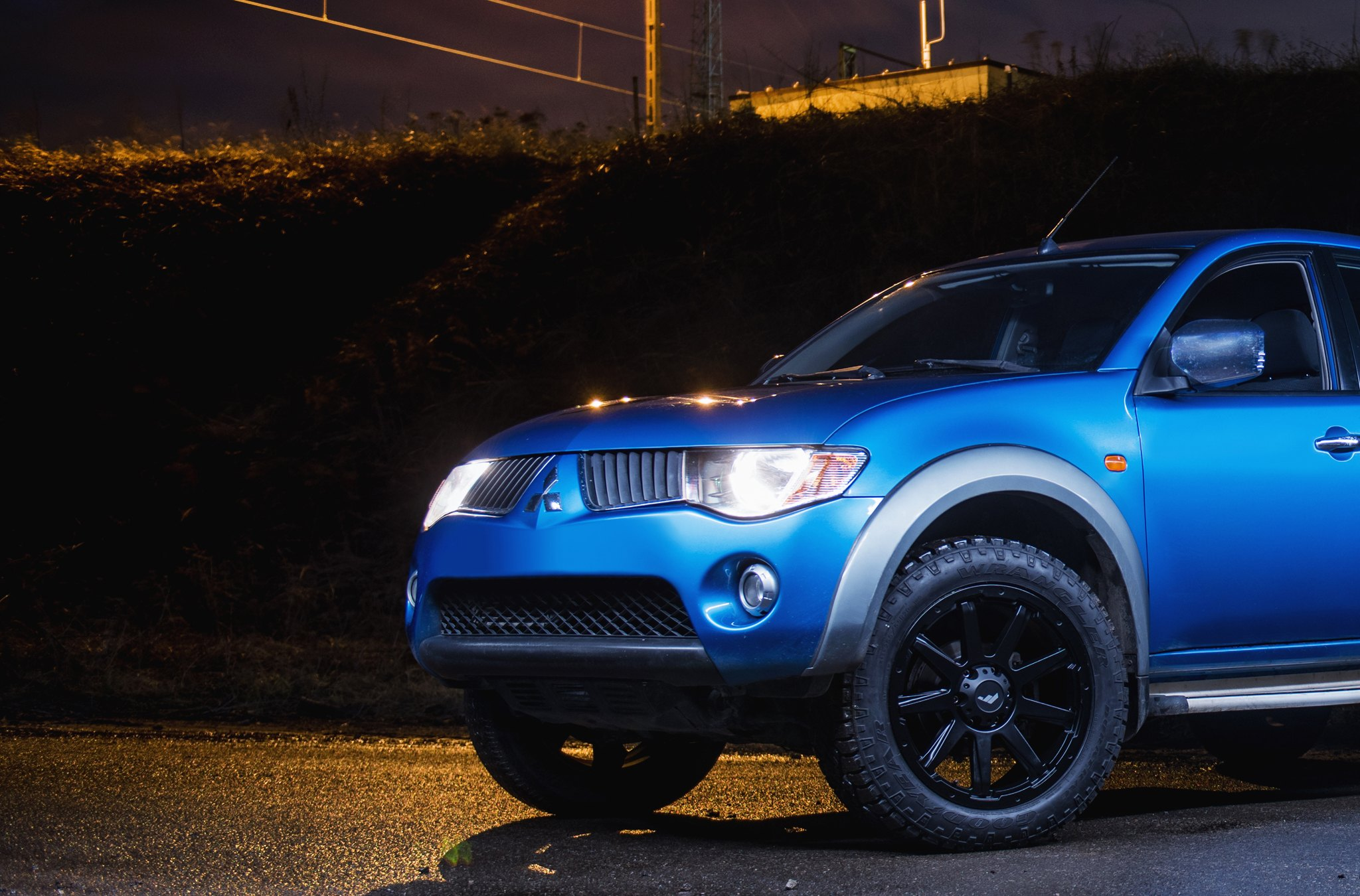 Goodyear Tires on Custom Blue Mitsubishi L200 - Photo by JR Wheels
