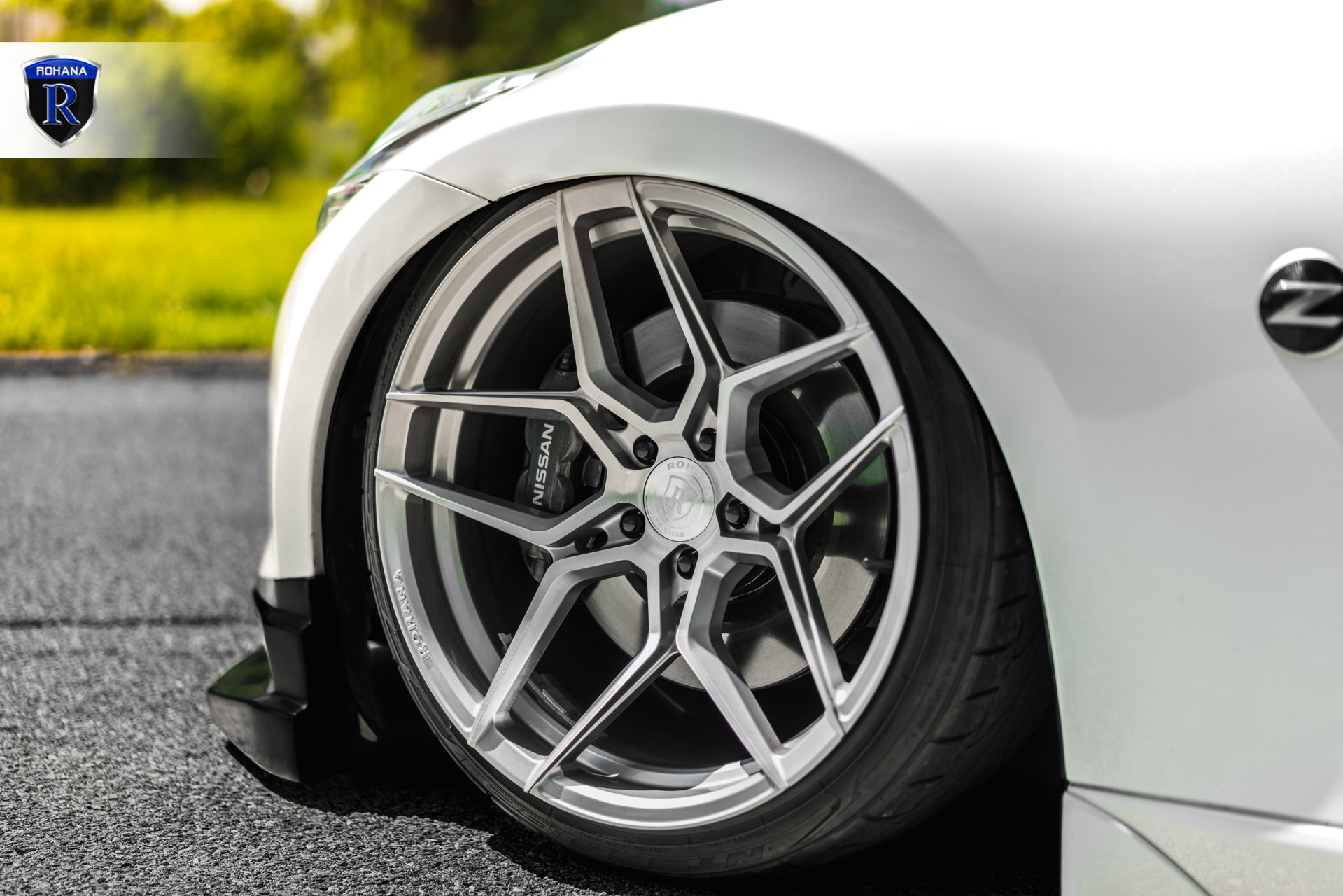 Chrome Rohana Wheels on White Nissan 370Z - Photo by Rohana Wheels