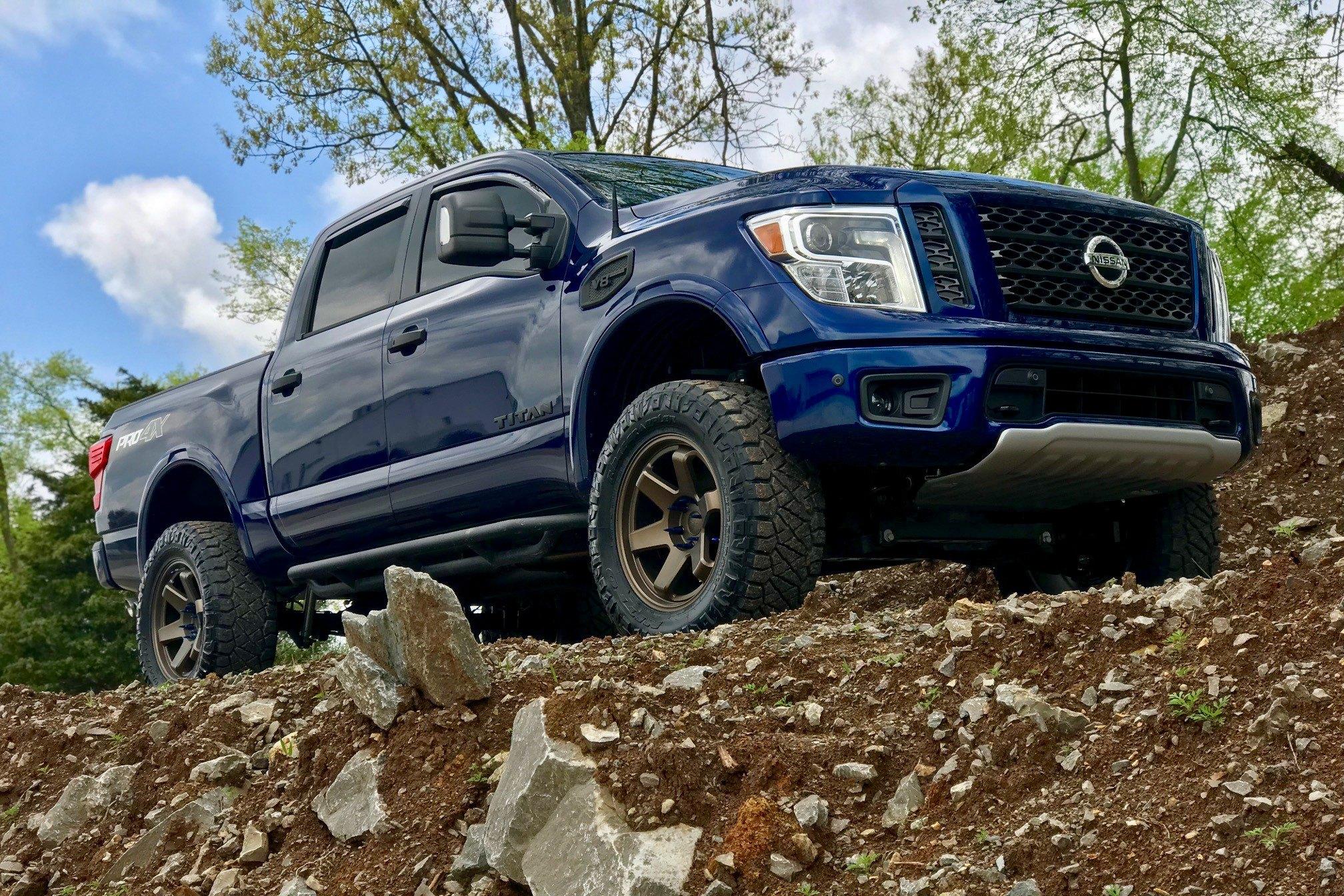 Custom 2018 nissan titan images mods photos upgrades - Nissan titan interior accessories ...