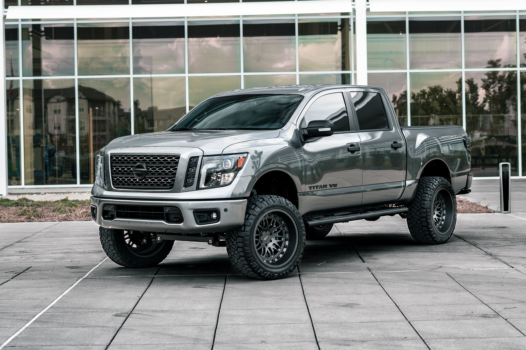 Custom 2019 Nissan Titan Images Mods Photos Upgrades Carid Com Gallery