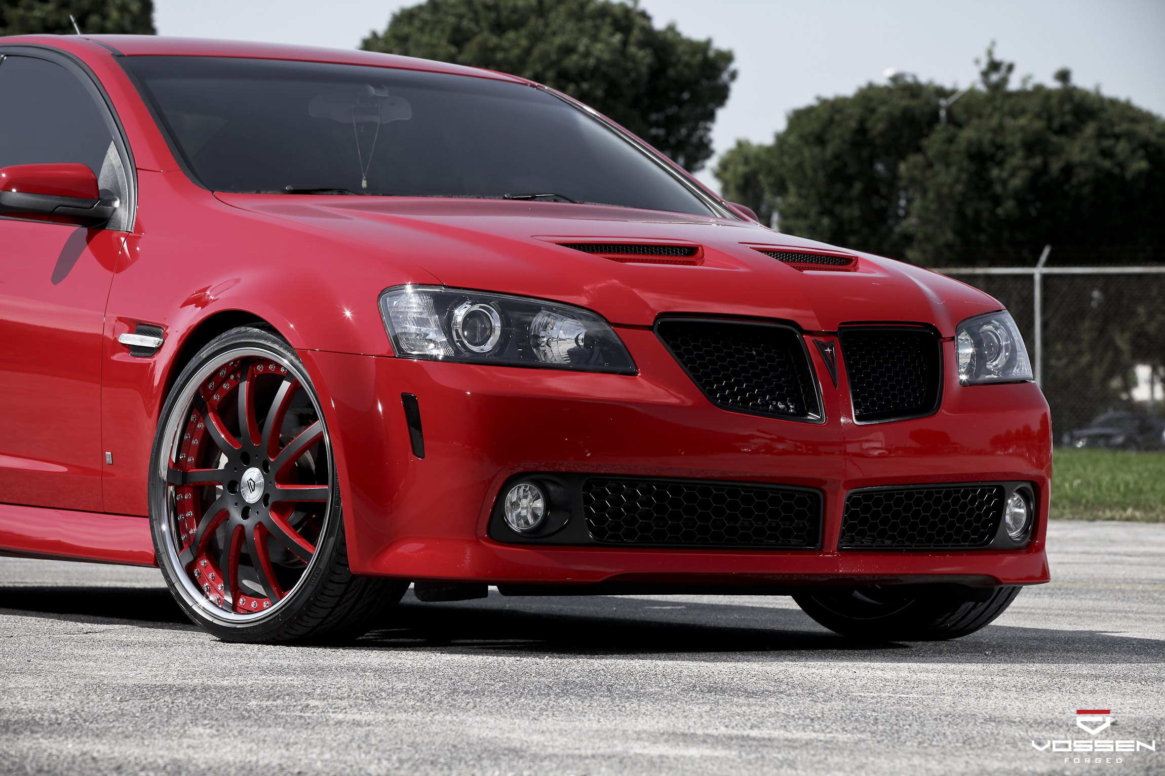 Make Over of Red Pontiac G8 Equipped With Vossen Custom