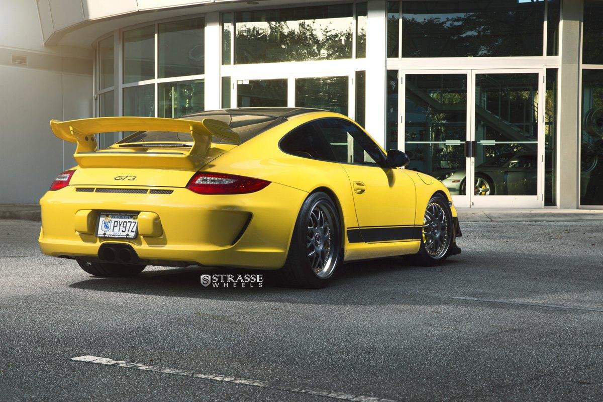Racing Nature Revealed: Custom Yellow Porsche 911 GT3 Featuring
