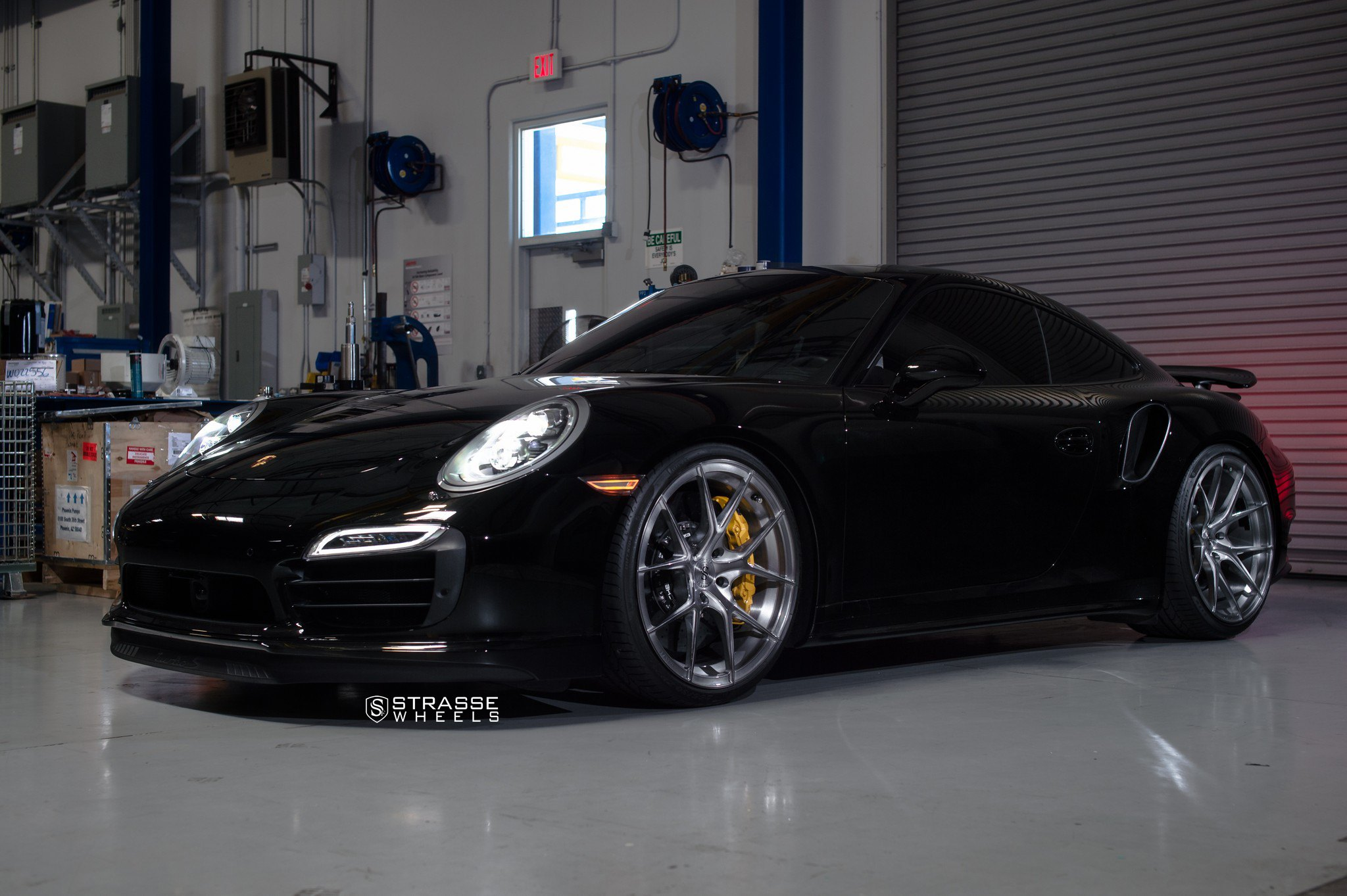 Black Porsche 911 Looking Mysterious With Crystal Clear
