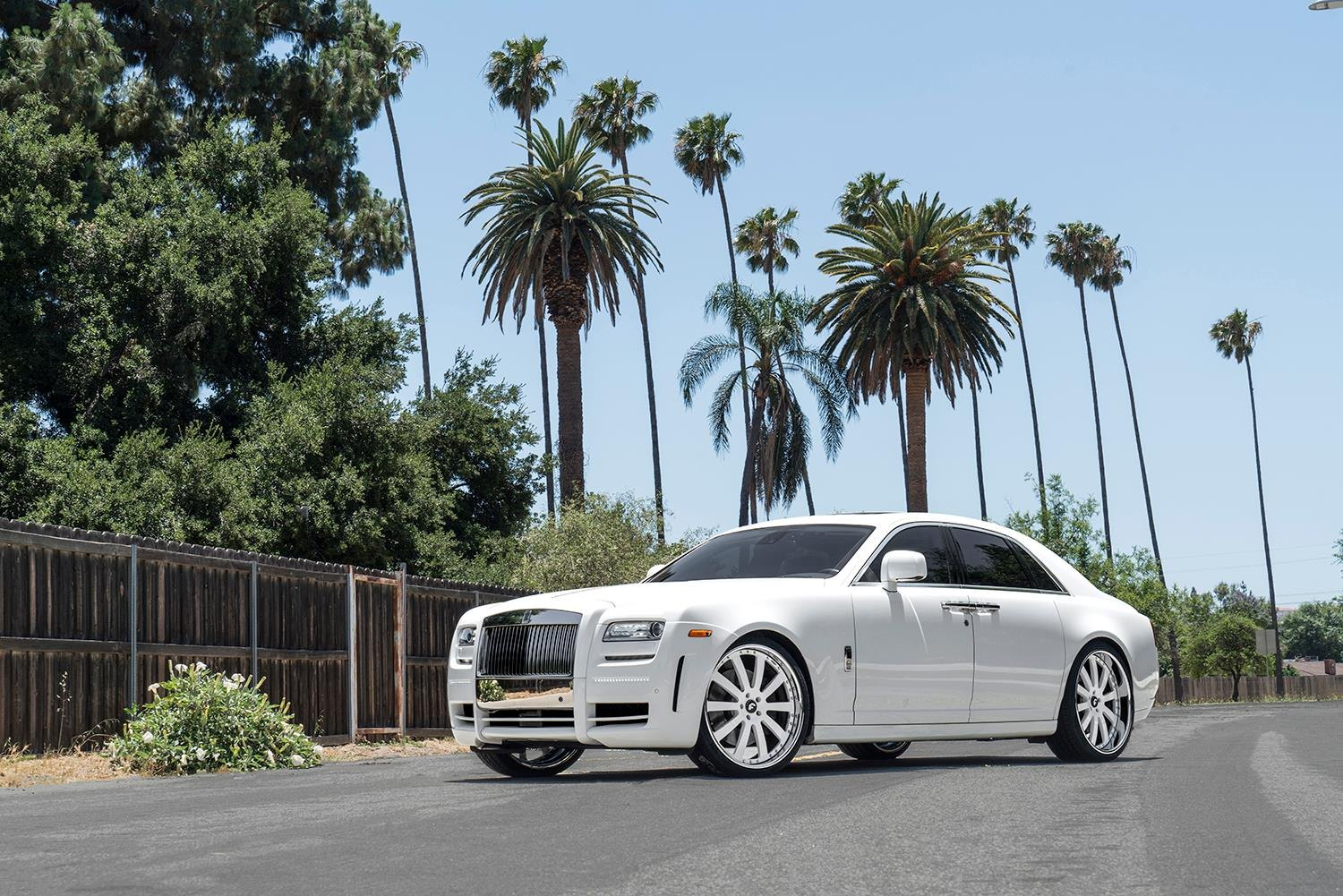 Custom White Rolls Royce Ghost Enhanced With Chrome Grille And Other Exterior Goodies Carid Com Gallery