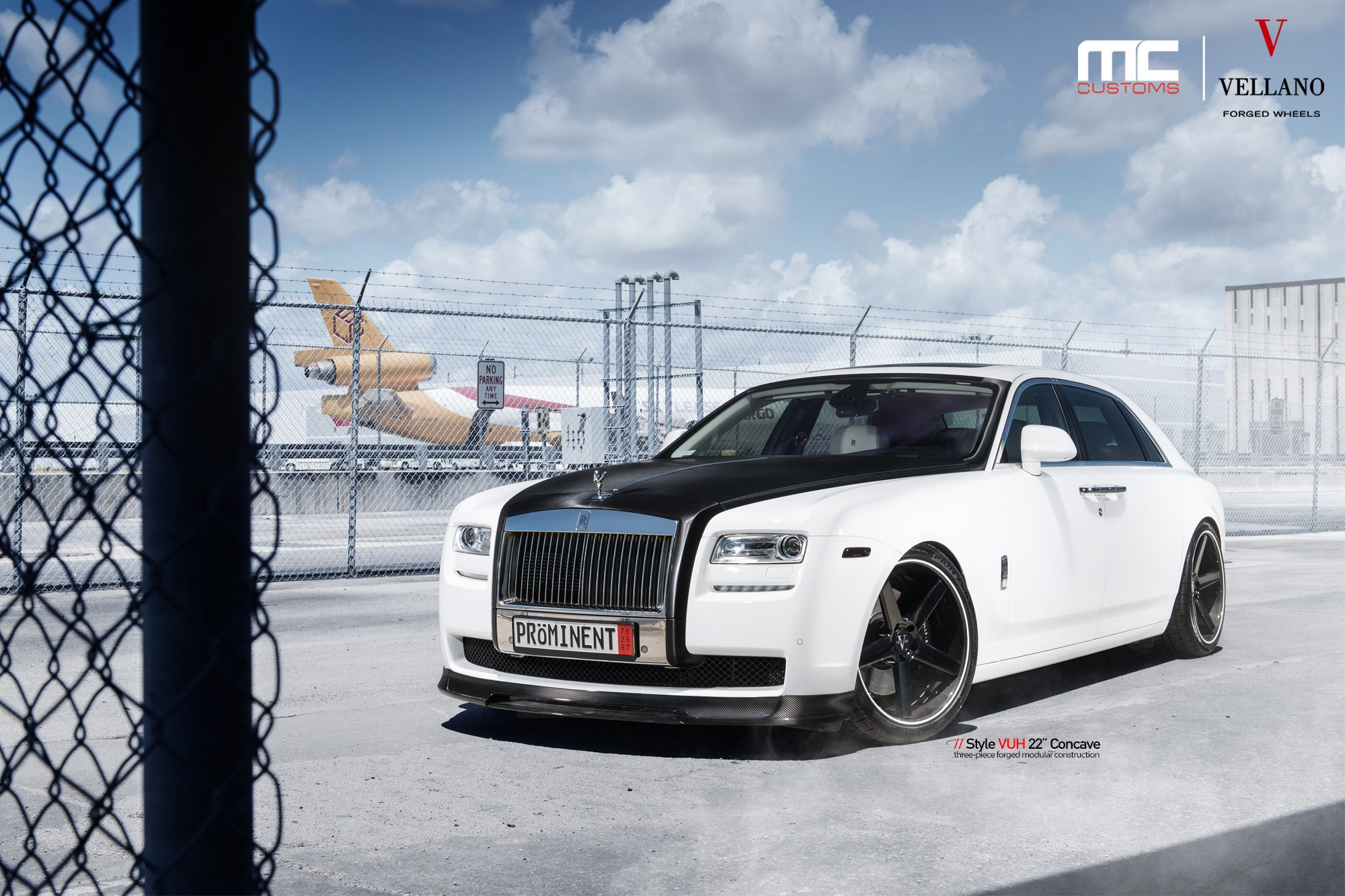 Iconic Rolls Royce Ghost This Time Boastig Carbon Fiber Elements And More Carid Com Gallery