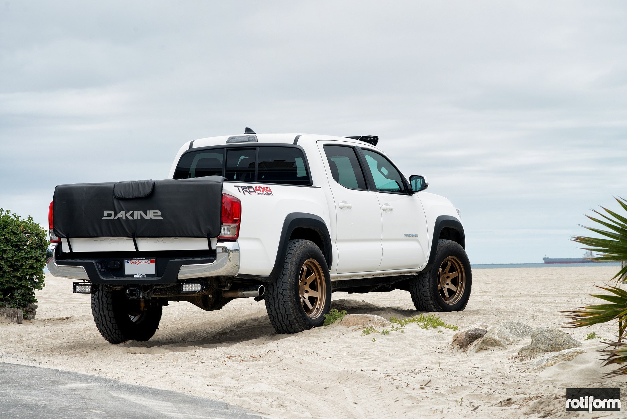 sand dune warrior toyota tacoma with rotiform off road wheels gallery. Black Bedroom Furniture Sets. Home Design Ideas