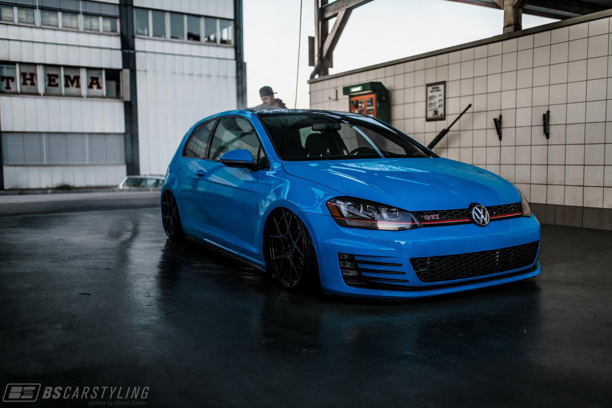 blue vw golf gti with air suspension and rotiform wheels gallery. Black Bedroom Furniture Sets. Home Design Ideas