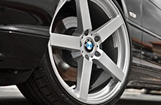 KOKO KUTURE® - SARDINIA-5 Silver with Machined Edge on BMW 325i