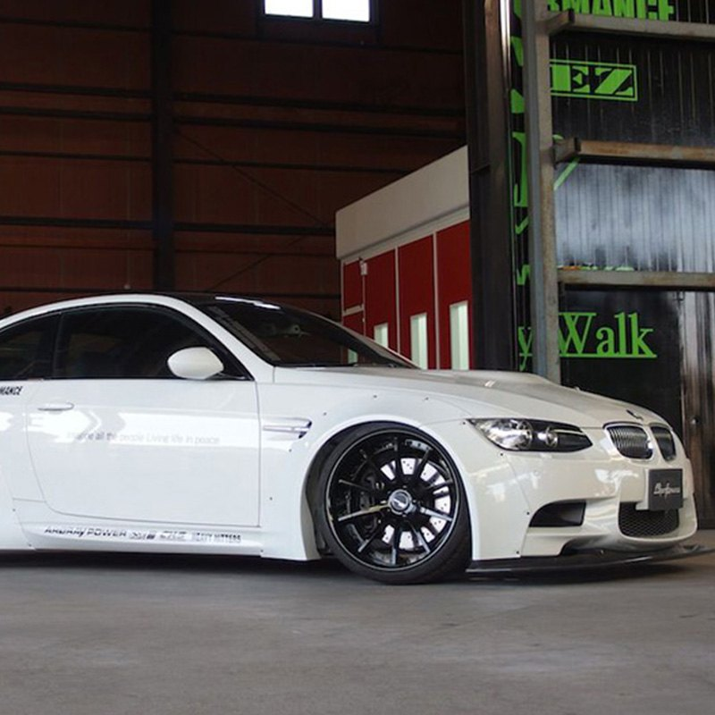 Must See: Liberty Walk Body Kit For BMW