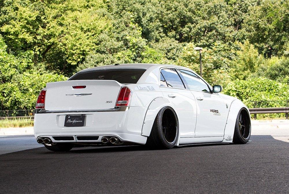 Liberty Walk® - Chrysler 300C 2014 Fiberglass Body Kit