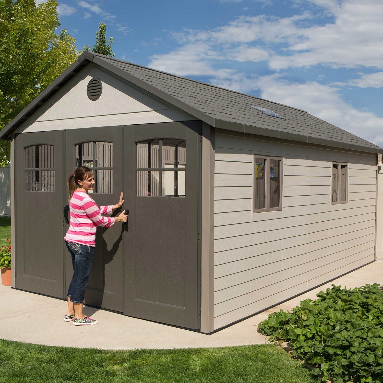 garden cubic amazon small roughneck dp shed outdoor plastic com storage sheds rubbermaid feet backyard