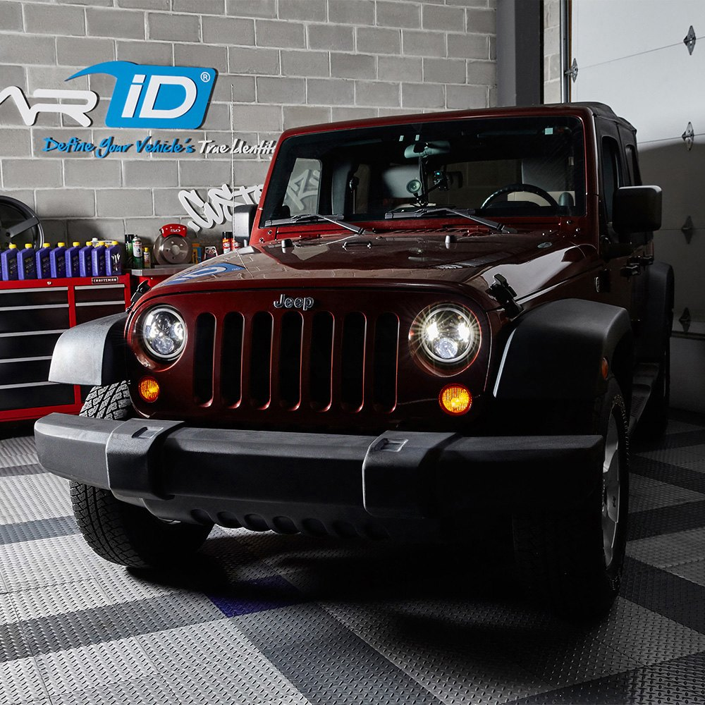 Lumen Sb7250xx Blk 7 Round Black Projector Led Headlights With 1980 Ford Bronco Switchback Halo Installed On A Jeep Wrangler High Beam Light