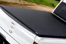 Lund® - Fold Tonneau Cover on Dodge