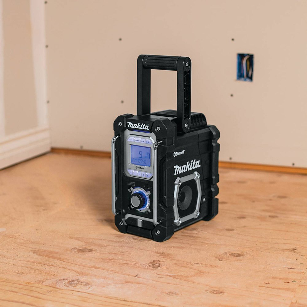 makita 18v lxt li ion bluetooth job site radio tool only. Black Bedroom Furniture Sets. Home Design Ideas