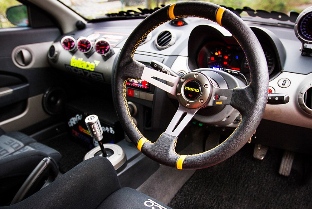 momo steering wheels racing seats helmets. Black Bedroom Furniture Sets. Home Design Ideas