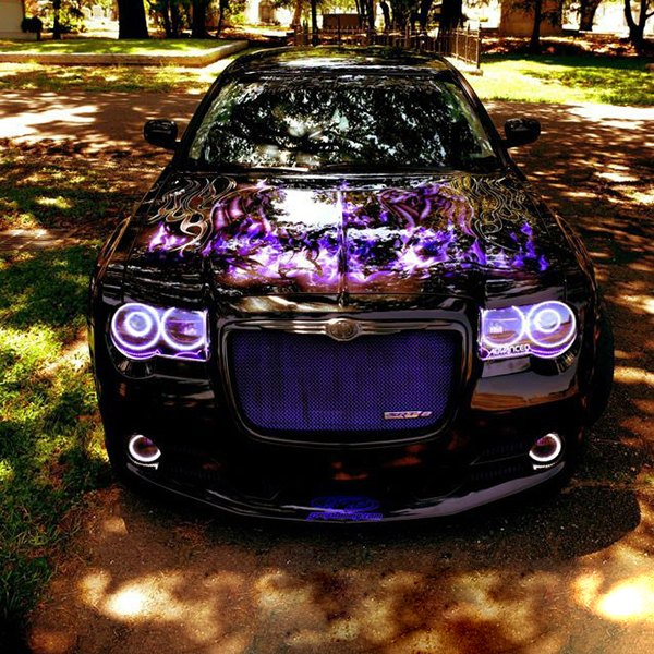 Chrysler 300C With Factory HID/Xenon