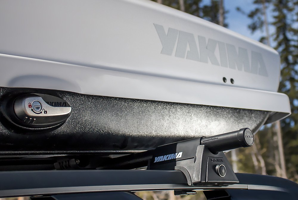 ... Yakima Silver Roof Cargo Boxes ...