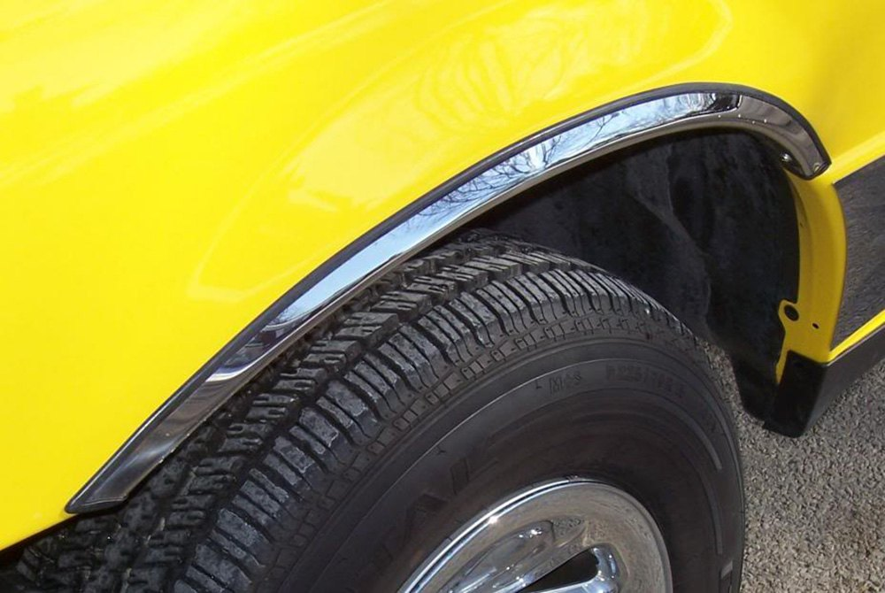 Qmi 174 Chevy Avalanche With Body Side Cladding 2002