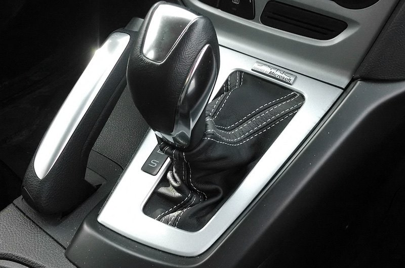 RedlineGoods Shift Boot Black Leather-Black Thread AUTO Compatible with Hyundai Sonata 2011-14
