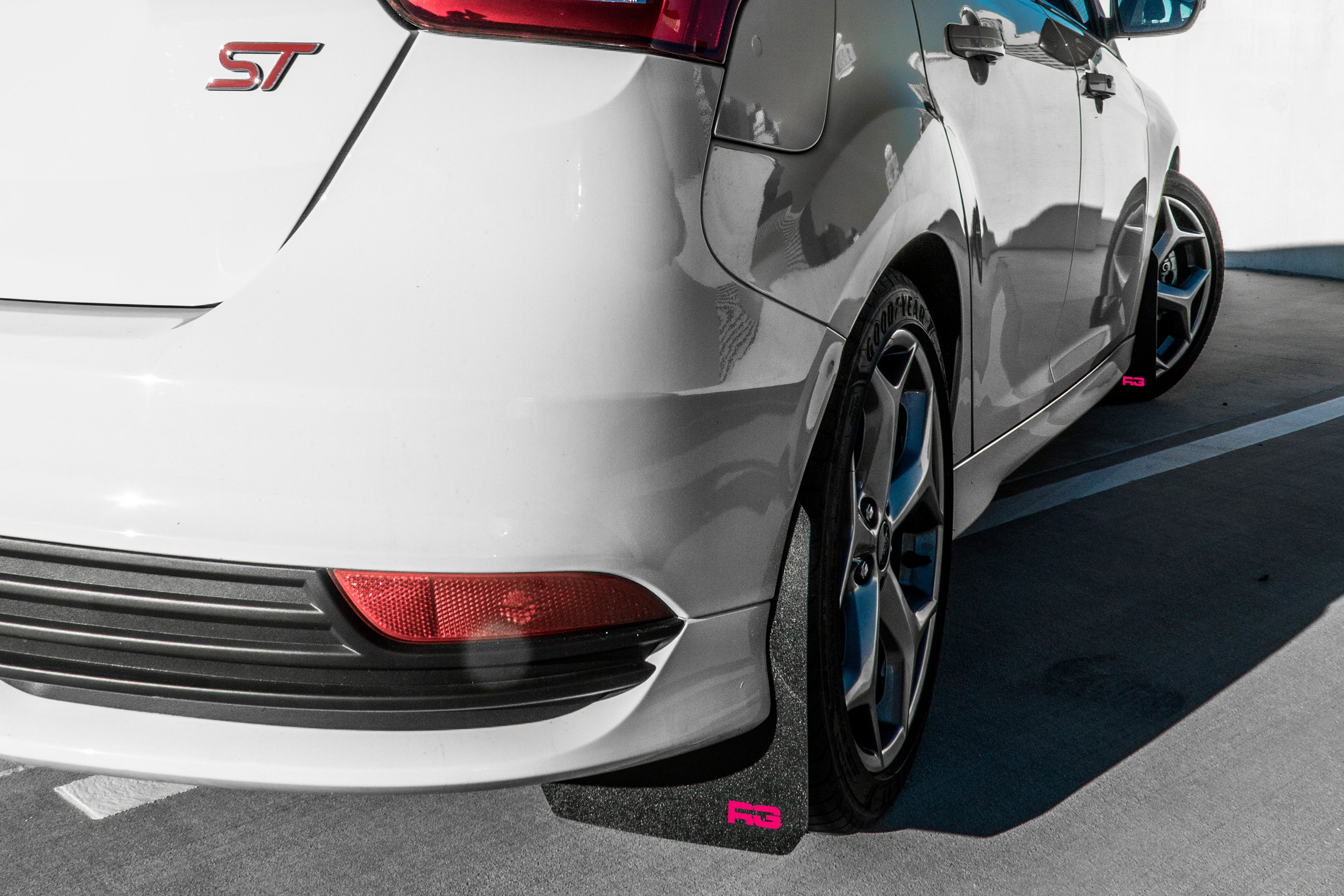 Semi Mud Flaps >> Rek Gen® - Ford Focus RS / SE / ST 2018 Rally Edition Mud Flaps with Logo