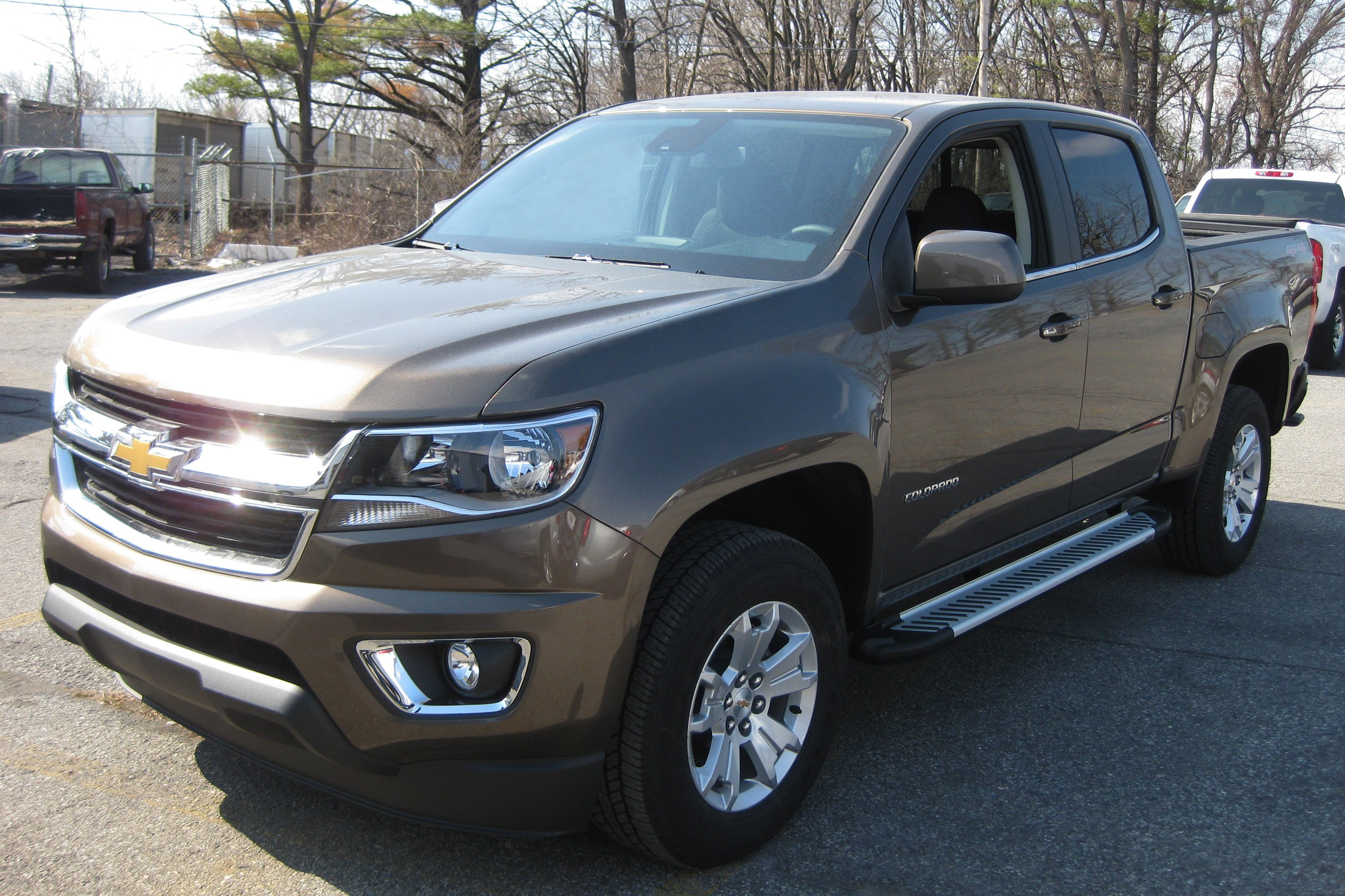 romik chevy colorado crew cab 2015 2018 5 5 ral t series cab length running boards. Black Bedroom Furniture Sets. Home Design Ideas